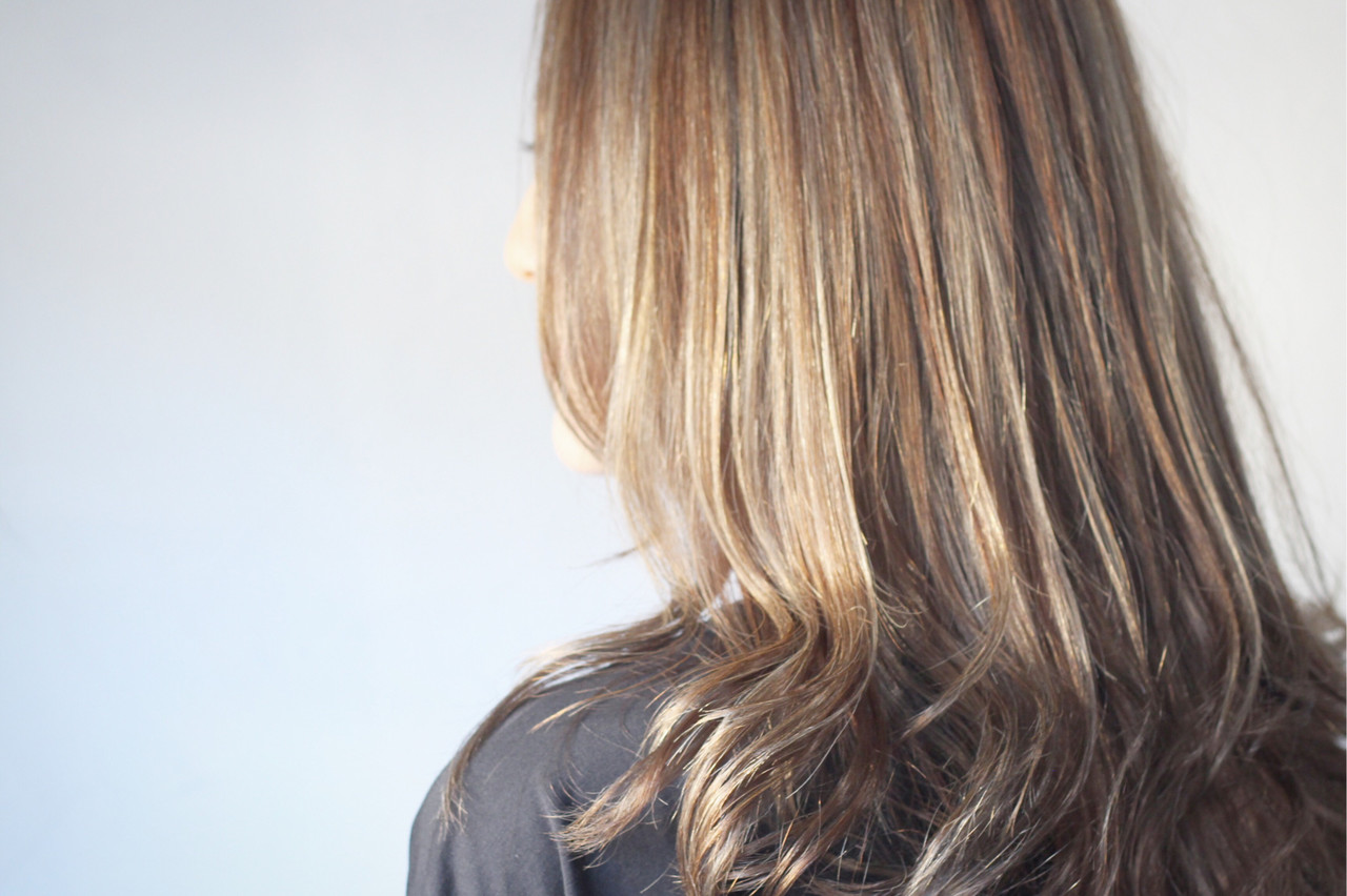 大人ハイライト コントラストハイライト ナチュラル ロング ヘアスタイルや髪型の写真・画像