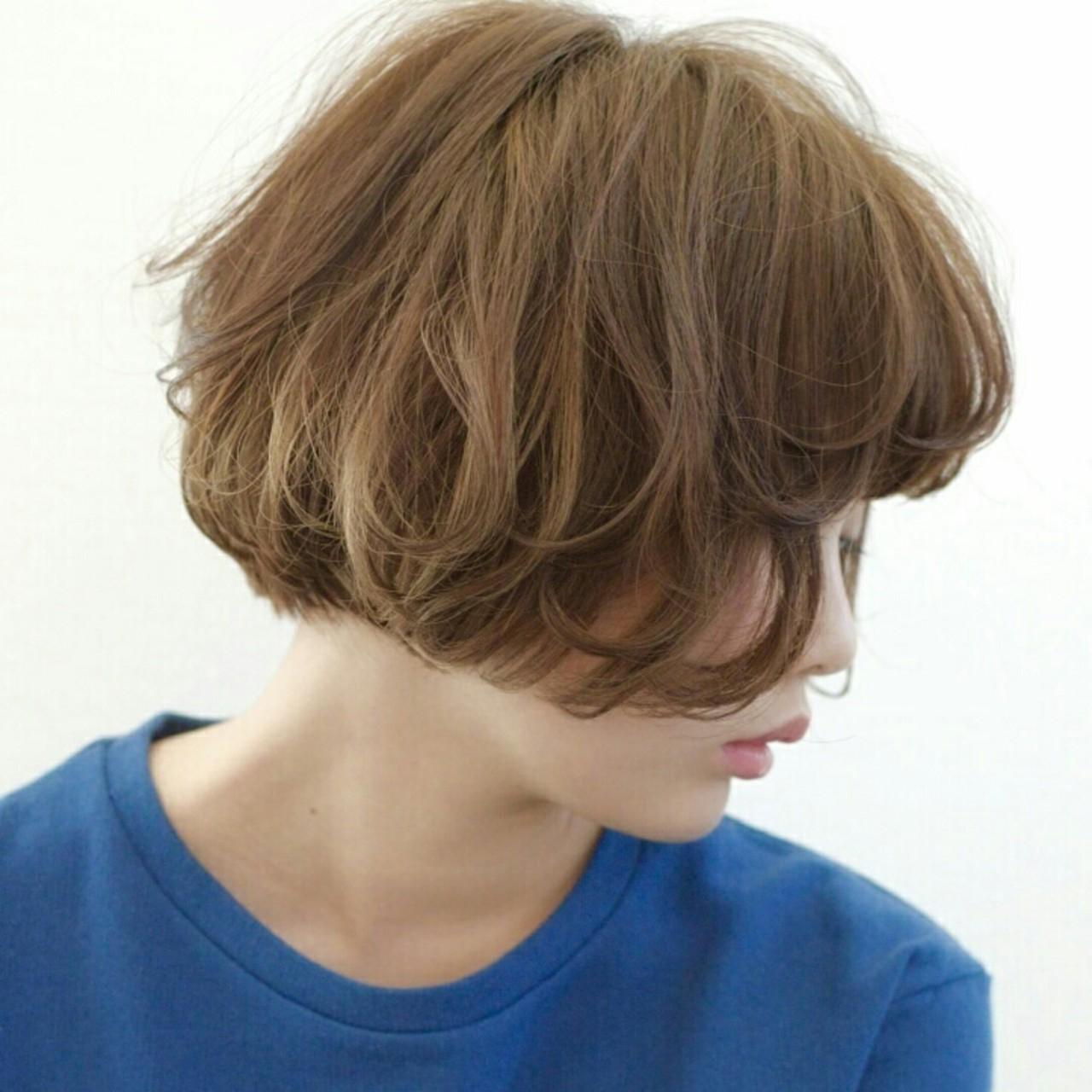 パーマ ふわふわ ボブ アッシュ ヘアスタイルや髪型の写真・画像