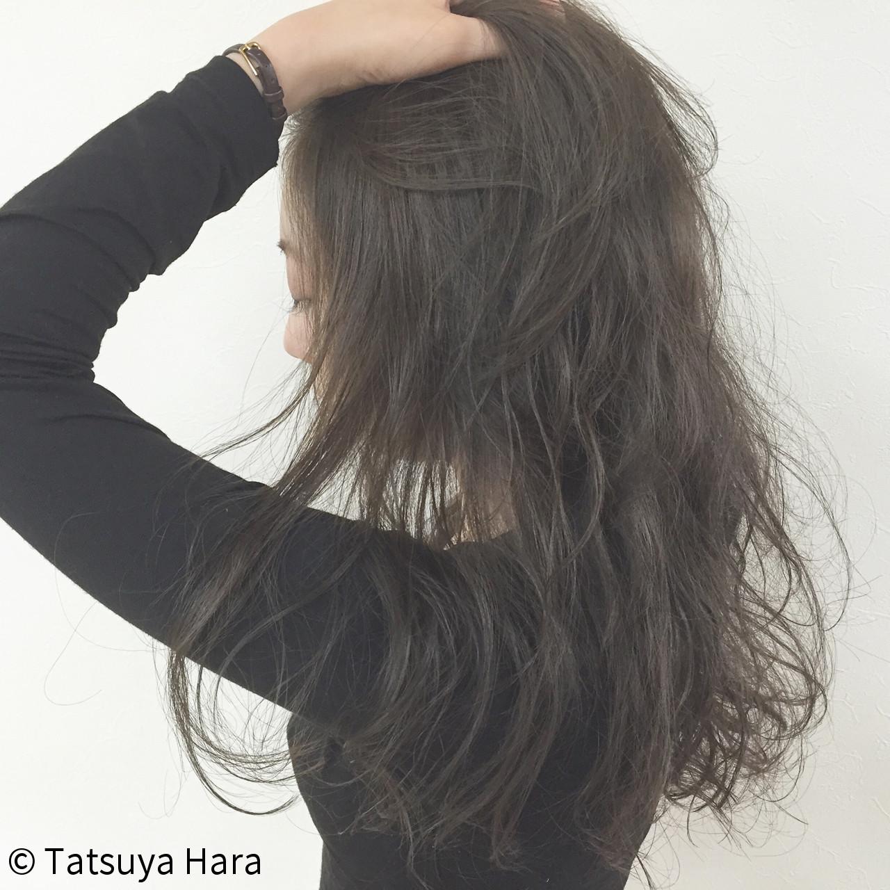 アッシュ ヘアアレンジ ロング ナチュラル ヘアスタイルや髪型の写真・画像