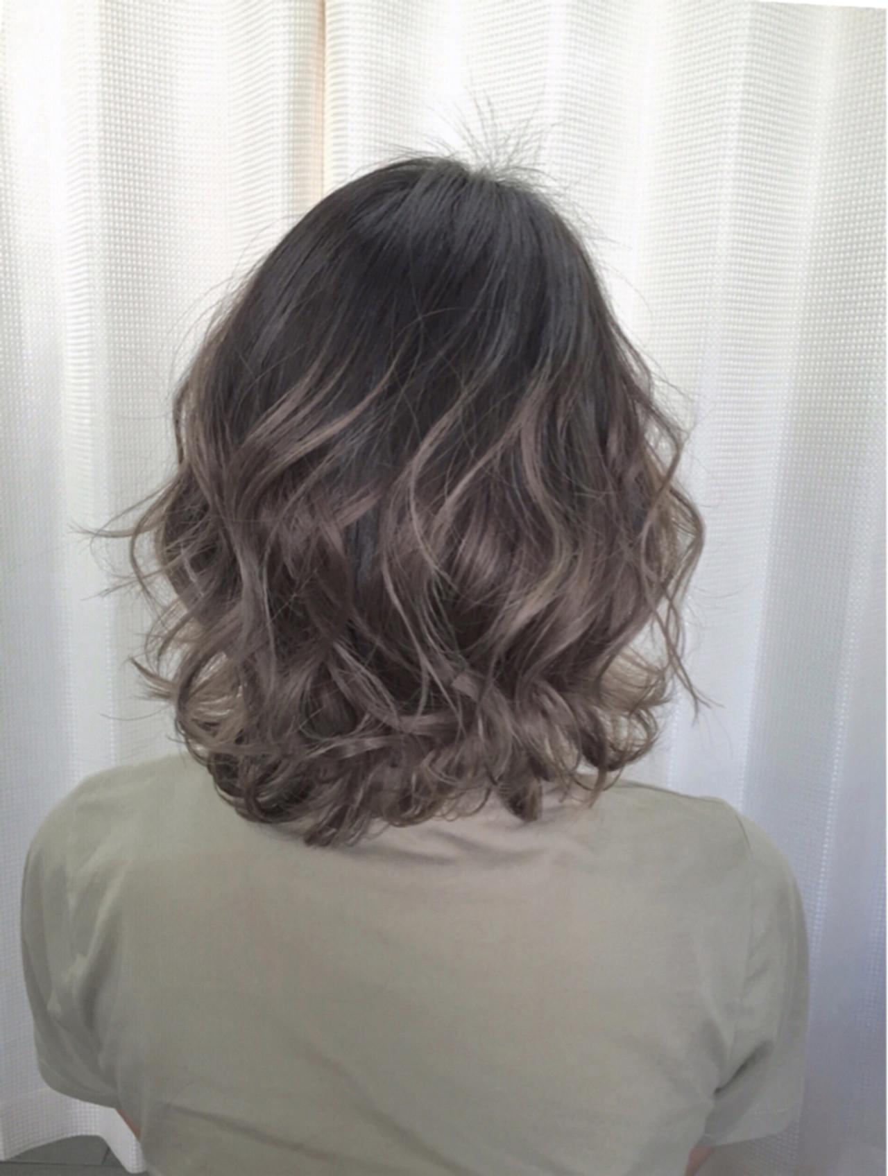 暗髪 モード アッシュグラデーション グラデーションカラー ヘアスタイルや髪型の写真・画像