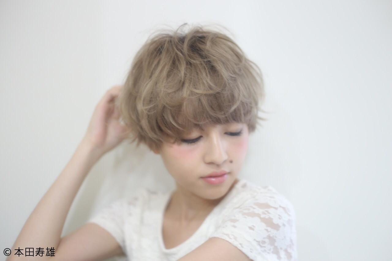 ショート アッシュ マッシュ ハイライト ヘアスタイルや髪型の写真・画像 | 本田寿雄 / kith.