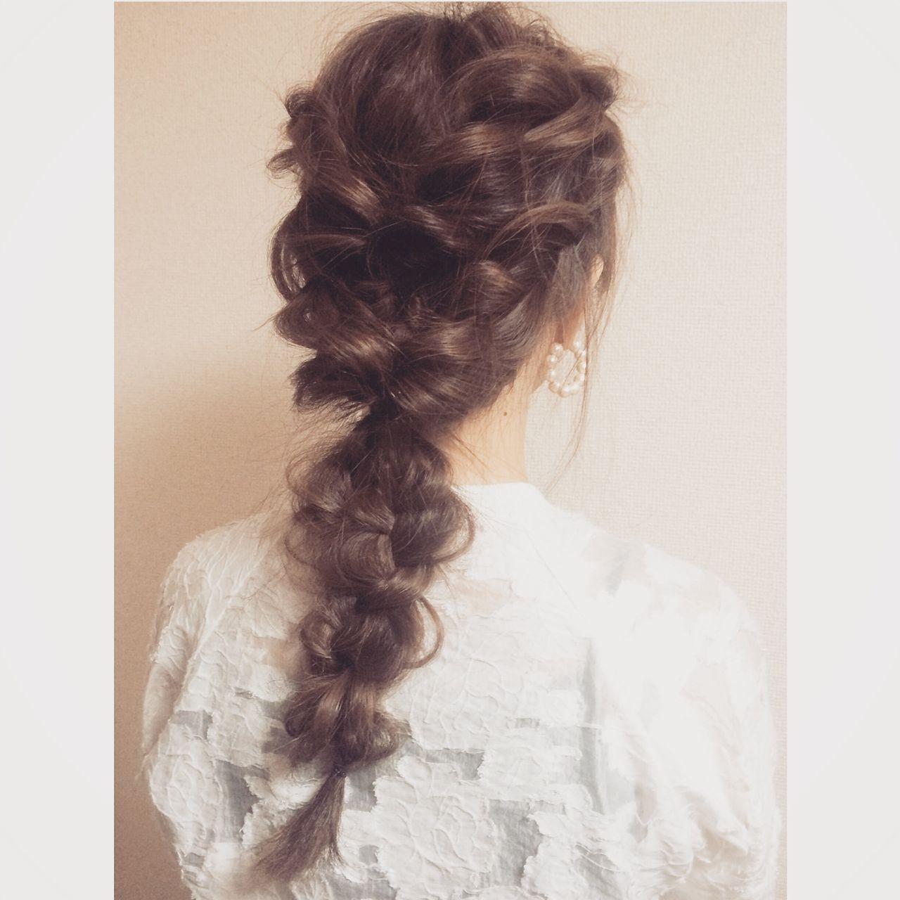 編み込み ロング ヘアアレンジ ルーズ ヘアスタイルや髪型の写真・画像