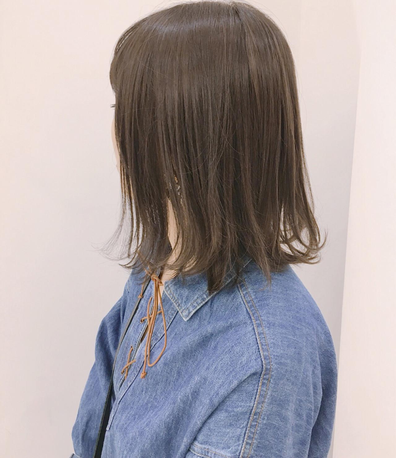 大人かわいい グレージュ ミディアム 透明感 ヘアスタイルや髪型の写真・画像