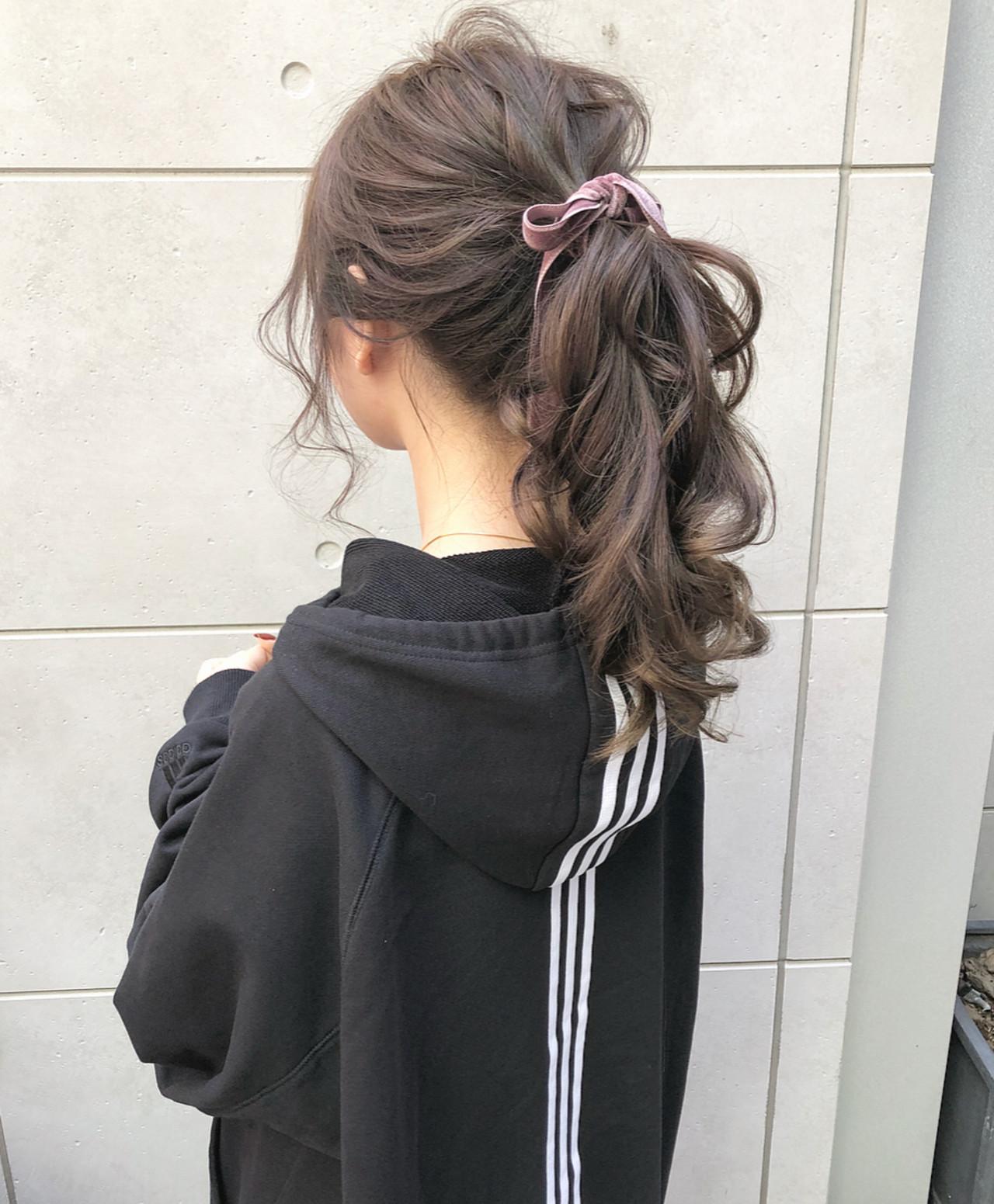 ロング ラベンダー ローポニー ポニーテール ヘアスタイルや髪型の写真・画像
