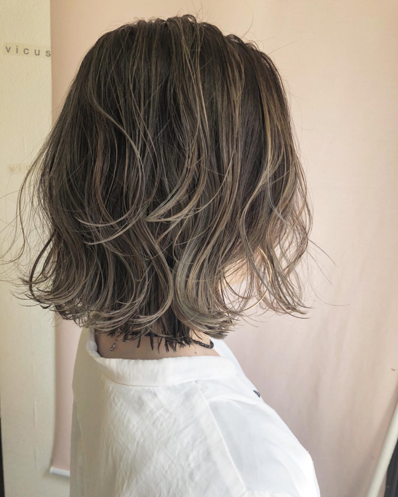 グレージュ ハイライト ロブ 外国人風カラー ヘアスタイルや髪型の写真・画像