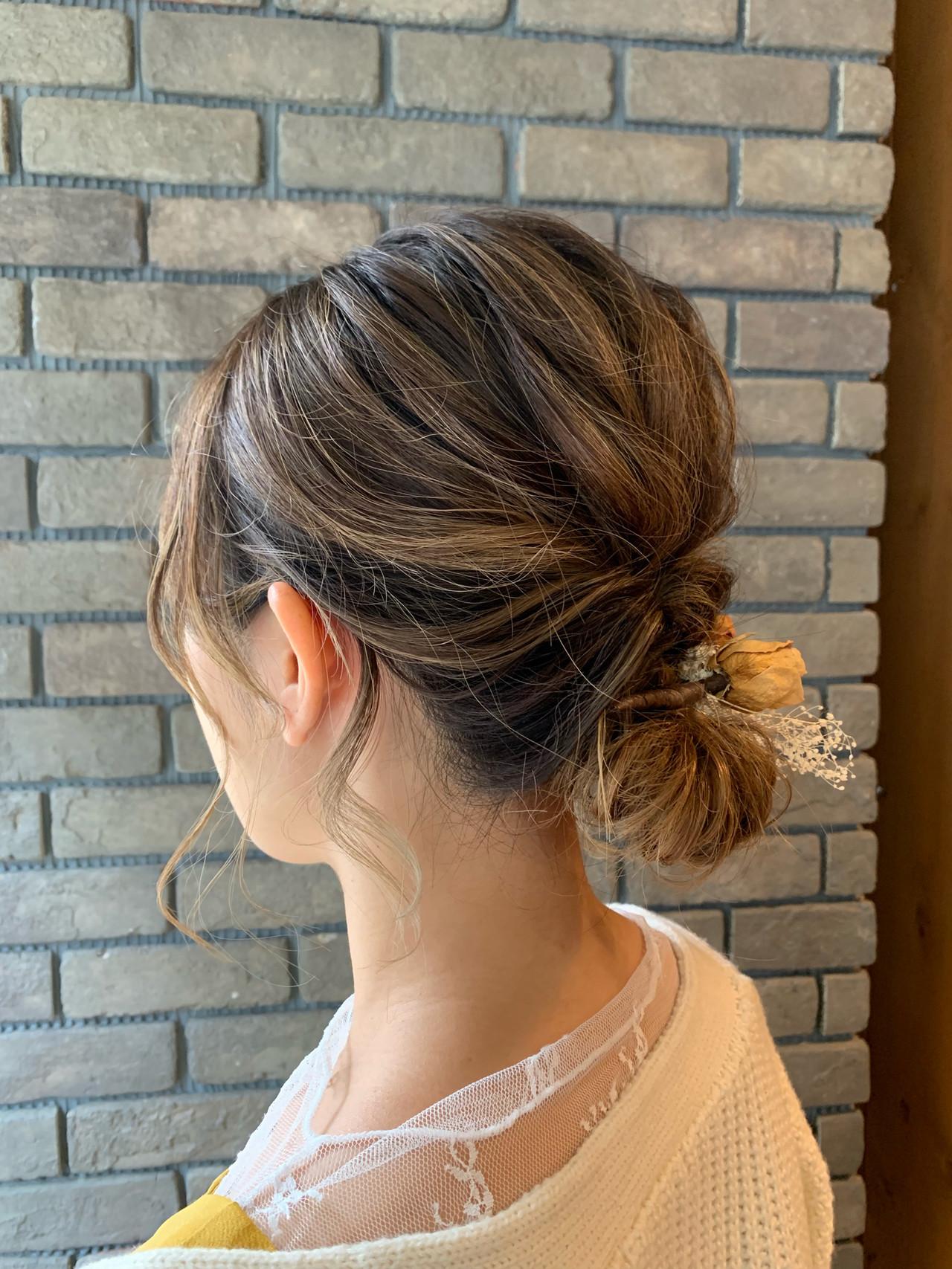 デート ヘアアレンジ 結婚式ヘアアレンジ フェミニン ヘアスタイルや髪型の写真・画像 | 谷川 健太 / ROVERSI