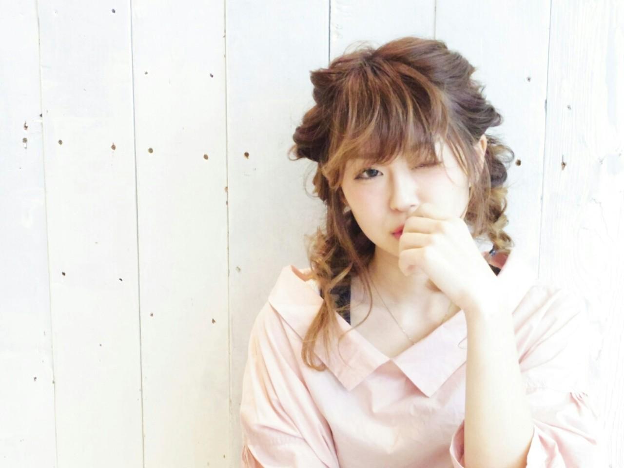 簡単ヘアアレンジ セミロング くるりんぱ ガーリー ヘアスタイルや髪型の写真・画像 | KUMA / hair make PUR