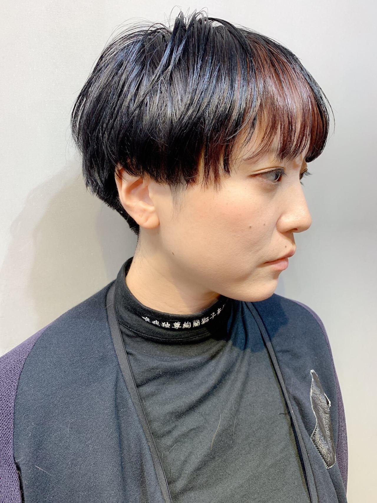 ベリーショート チェリーレッド ミニボブ インナーカラー ヘアスタイルや髪型の写真・画像