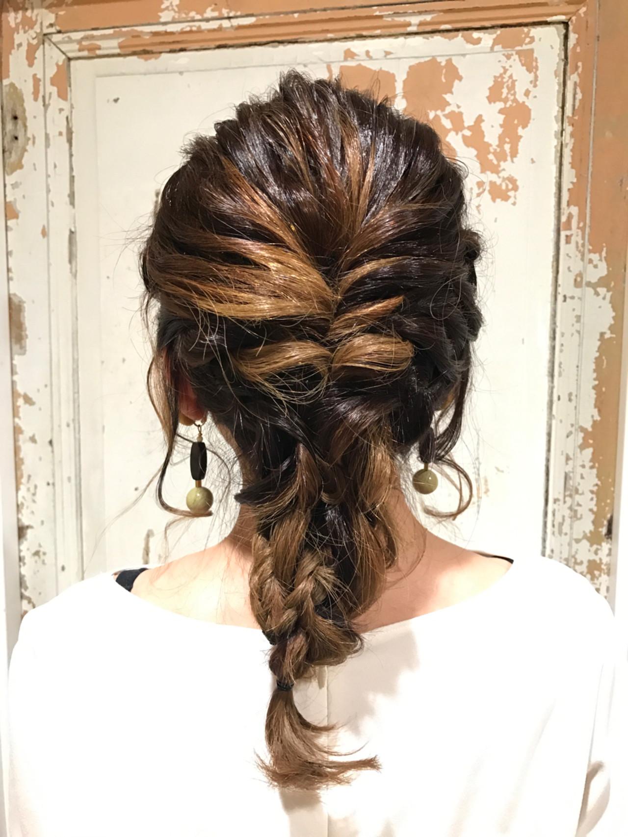 編み込み ナチュラル セミロング 女子会 ヘアスタイルや髪型の写真・画像 | KAE / NORA HAIR SALON