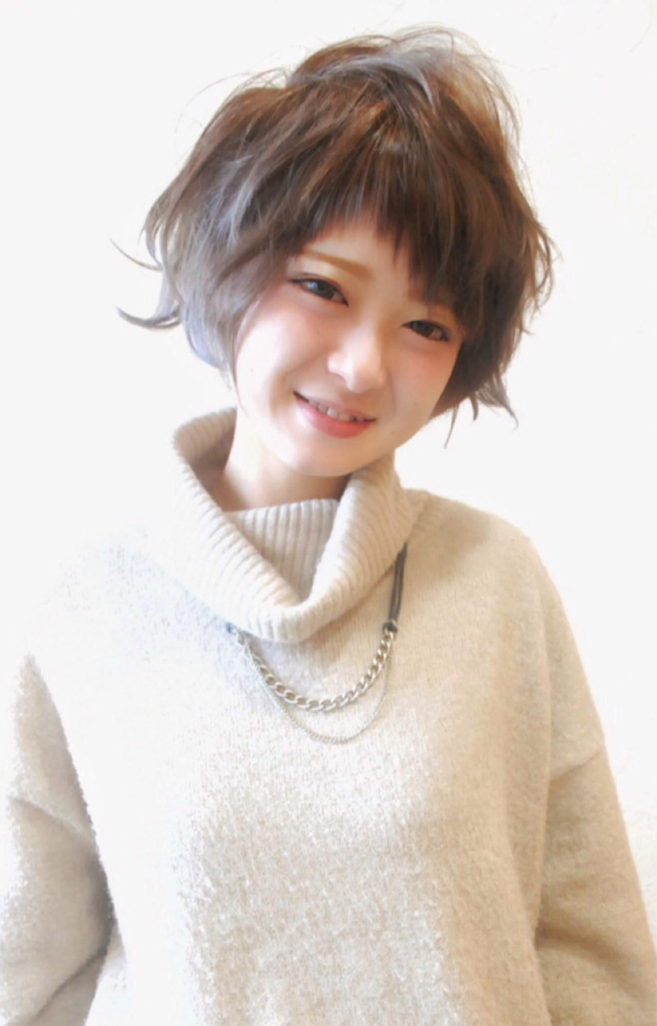 パーマ 小顔 ブルーアッシュ ショート ヘアスタイルや髪型の写真・画像