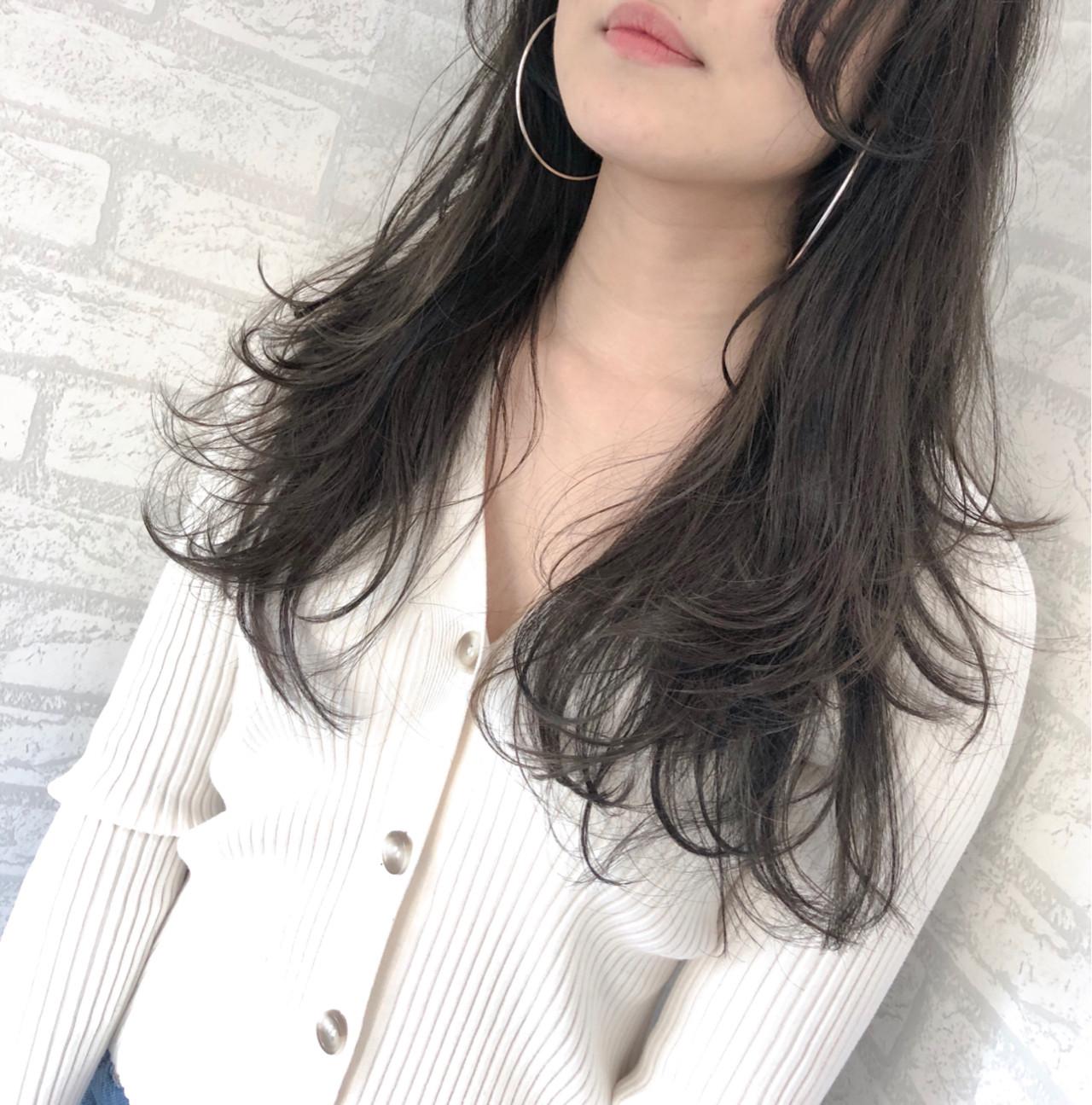 アンニュイ 透明感 ナチュラル 大人かわいい ヘアスタイルや髪型の写真・画像