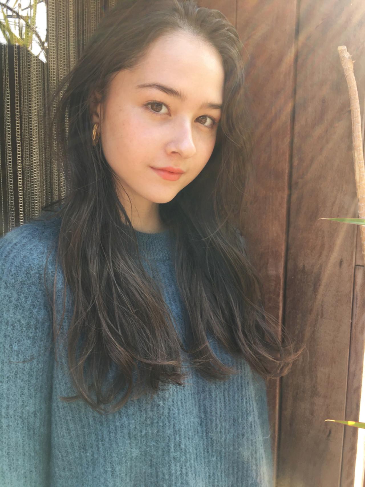 ロング 束感 冬 くせ毛風 ヘアスタイルや髪型の写真・画像