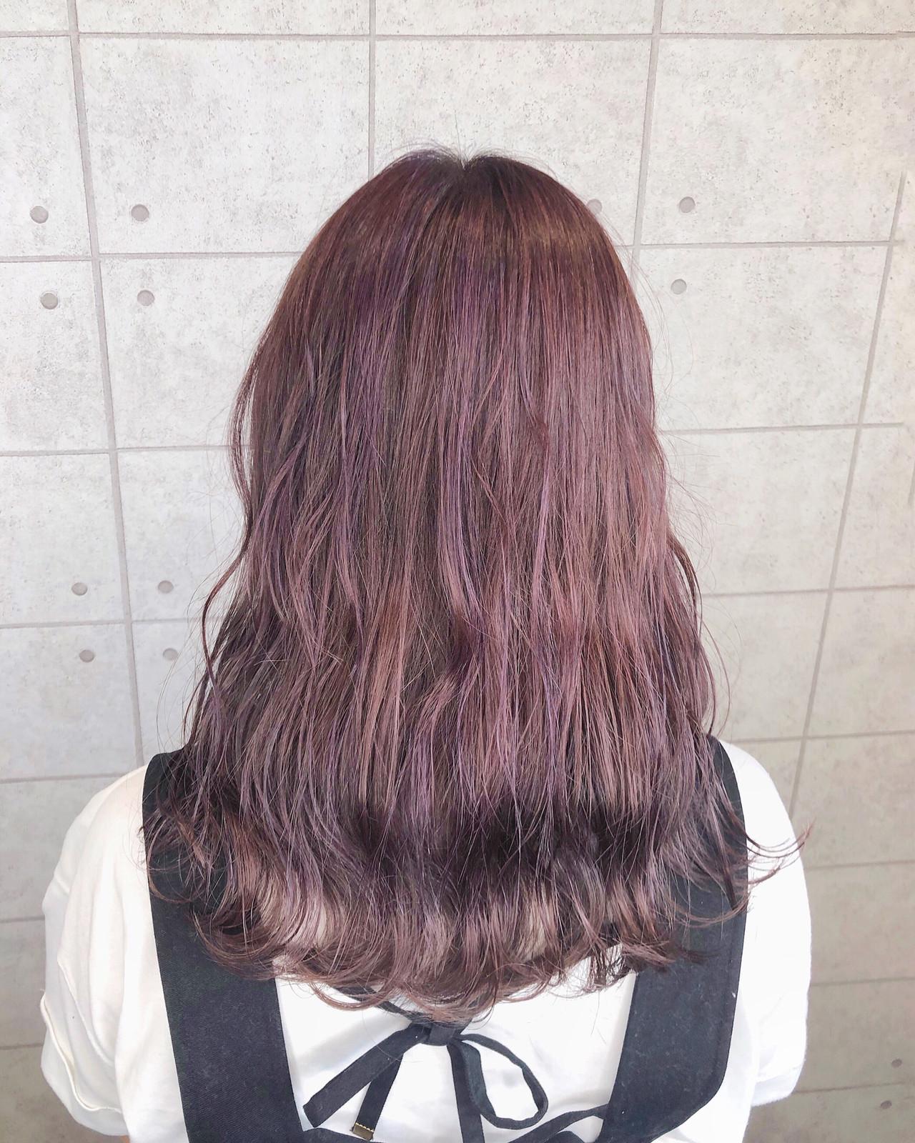 モード セミロング ピンクパープル クリーミーカラー ヘアスタイルや髪型の写真・画像
