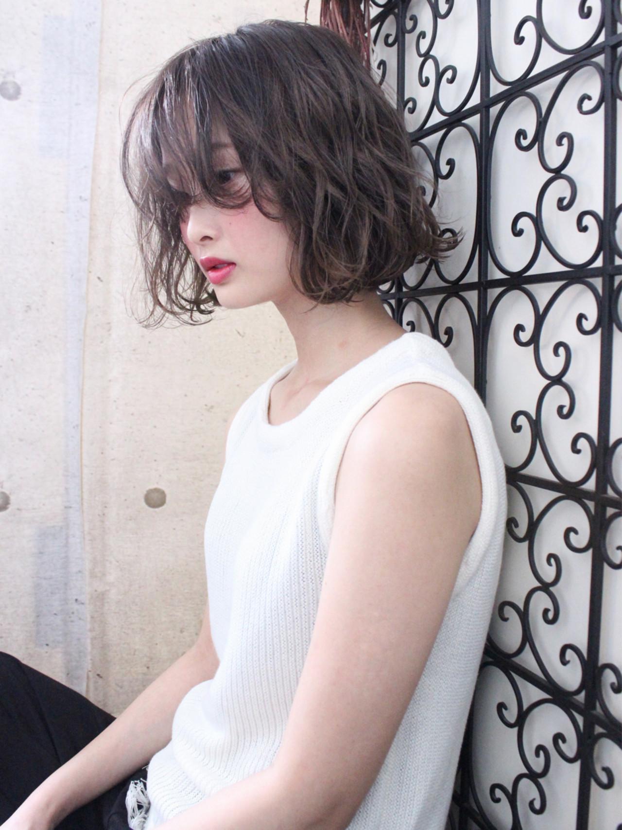 アンニュイ 外国人風 ウェーブ 透明感 ヘアスタイルや髪型の写真・画像