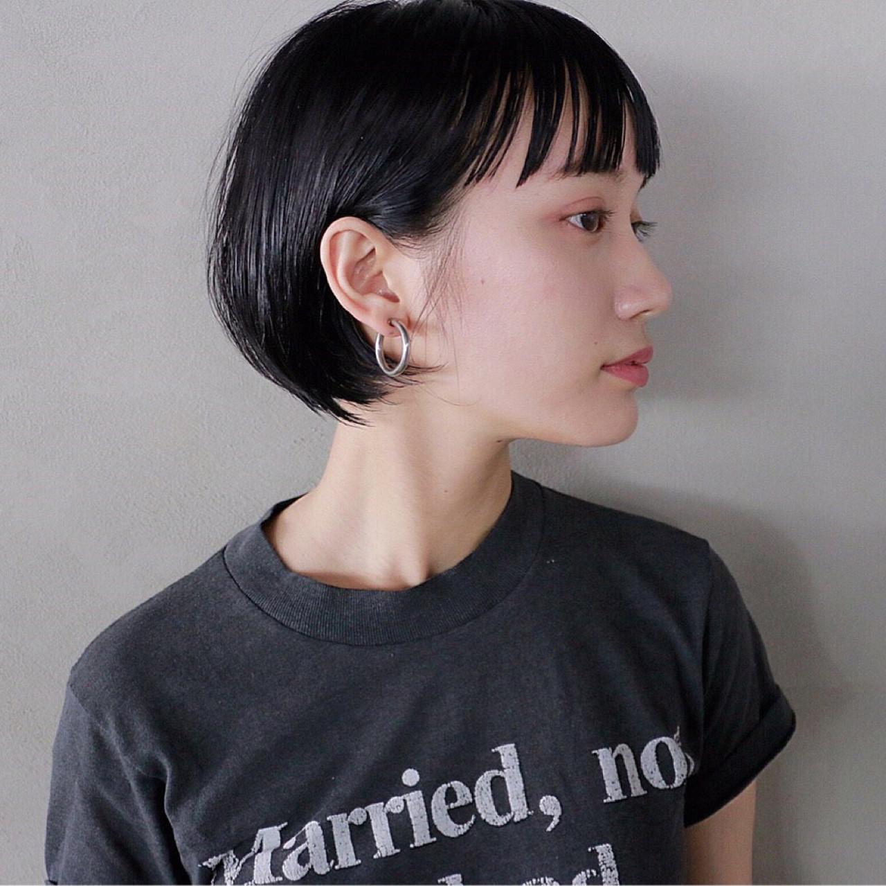 黒髪ショートの清楚さが人気。愛されヘアスタイルをつくろう  高橋 忍