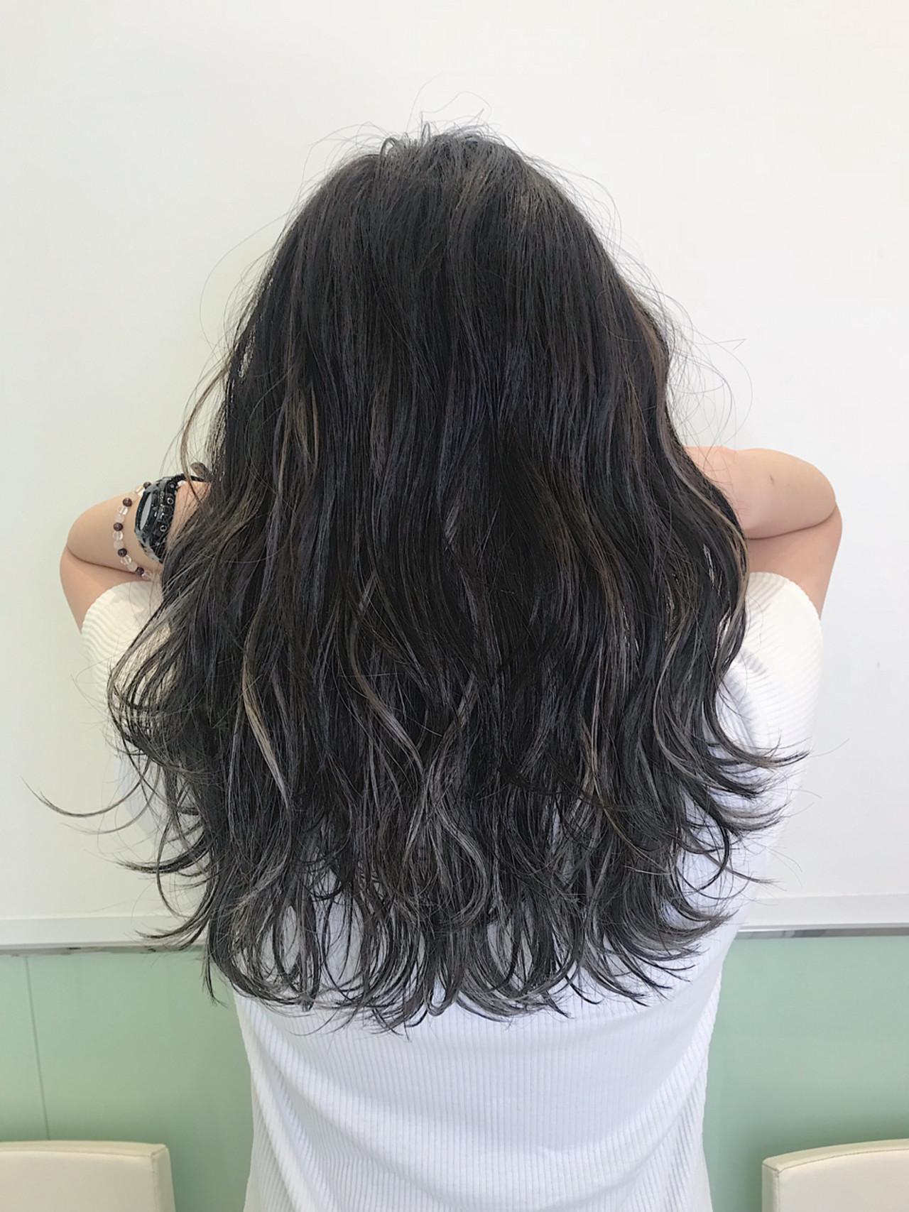 ダブルカラー ハイトーン 外国人風 ネイビー ヘアスタイルや髪型の写真・画像
