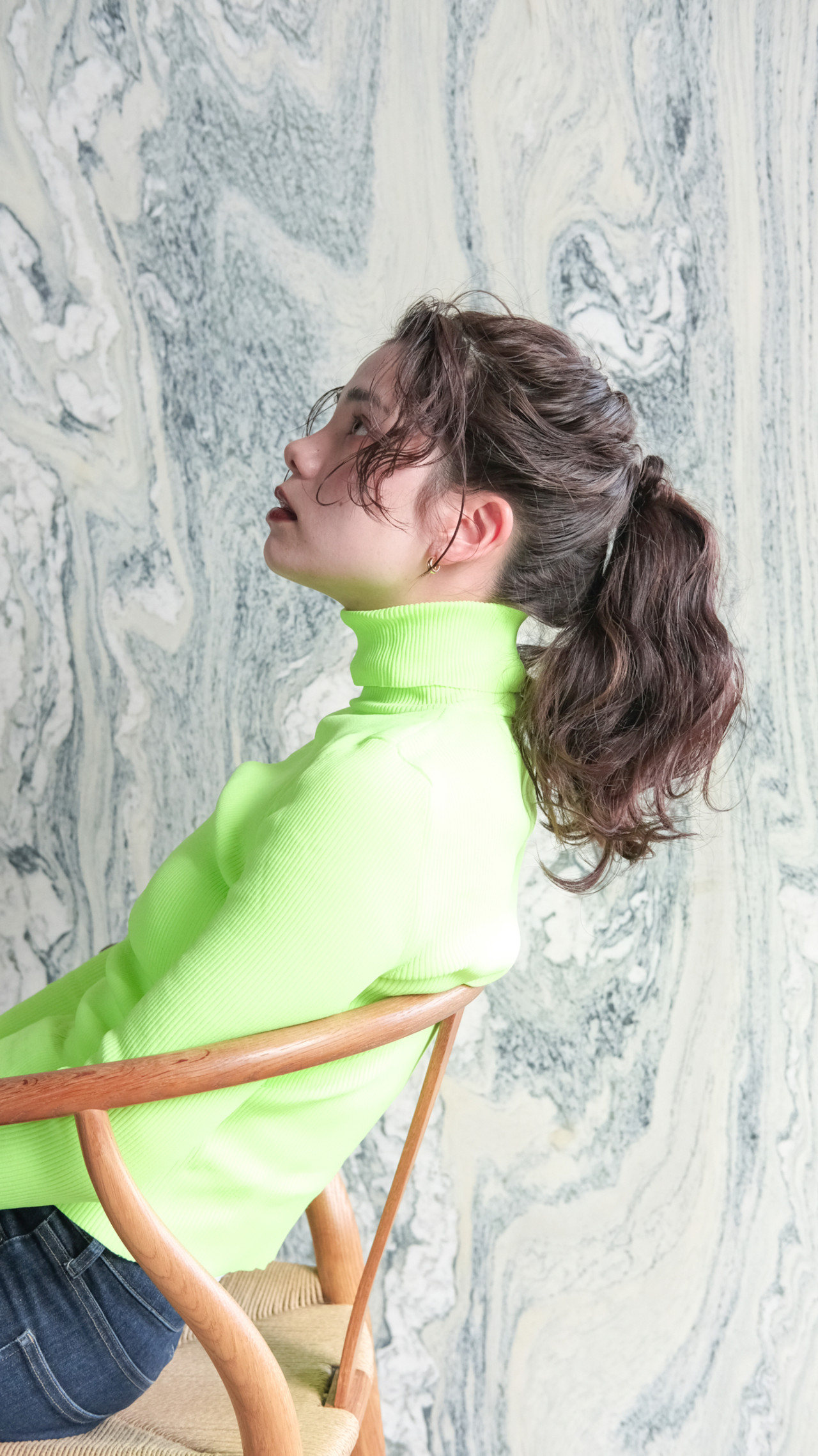 パーマ セミロング ナチュラル 無造作パーマ ヘアスタイルや髪型の写真・画像
