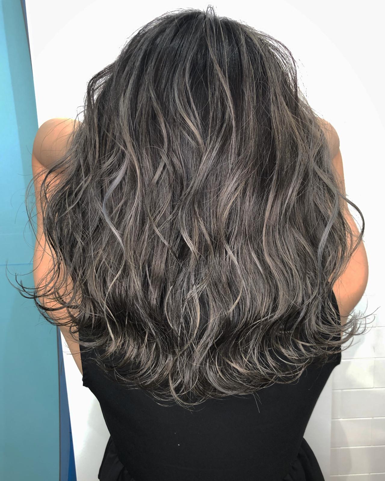 ハイライト 外国人風 アッシュ ミディアム ヘアスタイルや髪型の写真・画像