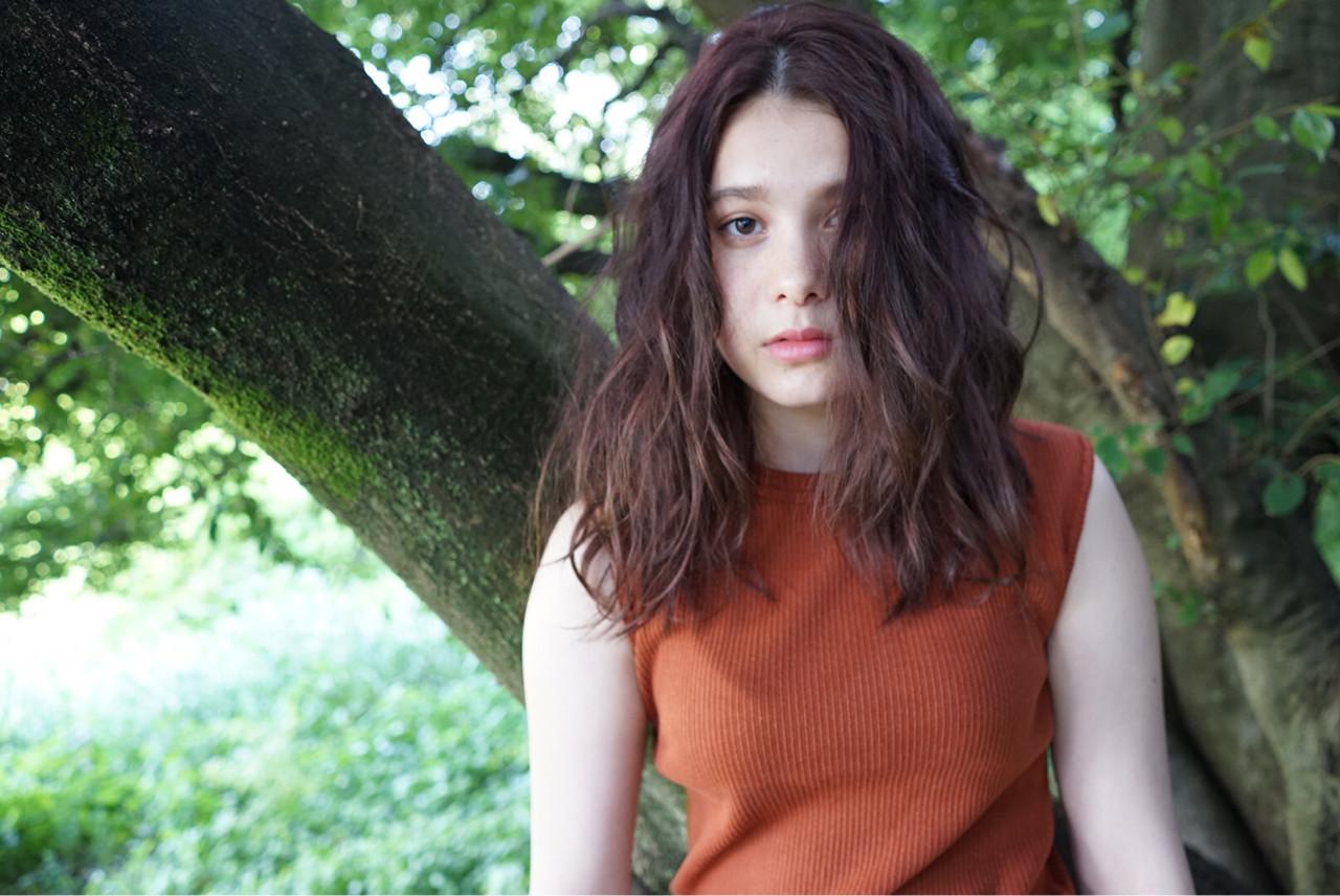 アンニュイ 抜け感 ブラウン ナチュラル ヘアスタイルや髪型の写真・画像