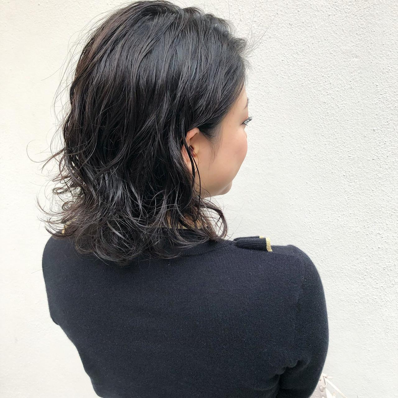 ゆるふわパーマ 切りっぱなしボブ ナチュラル 無造作パーマ ヘアスタイルや髪型の写真・画像