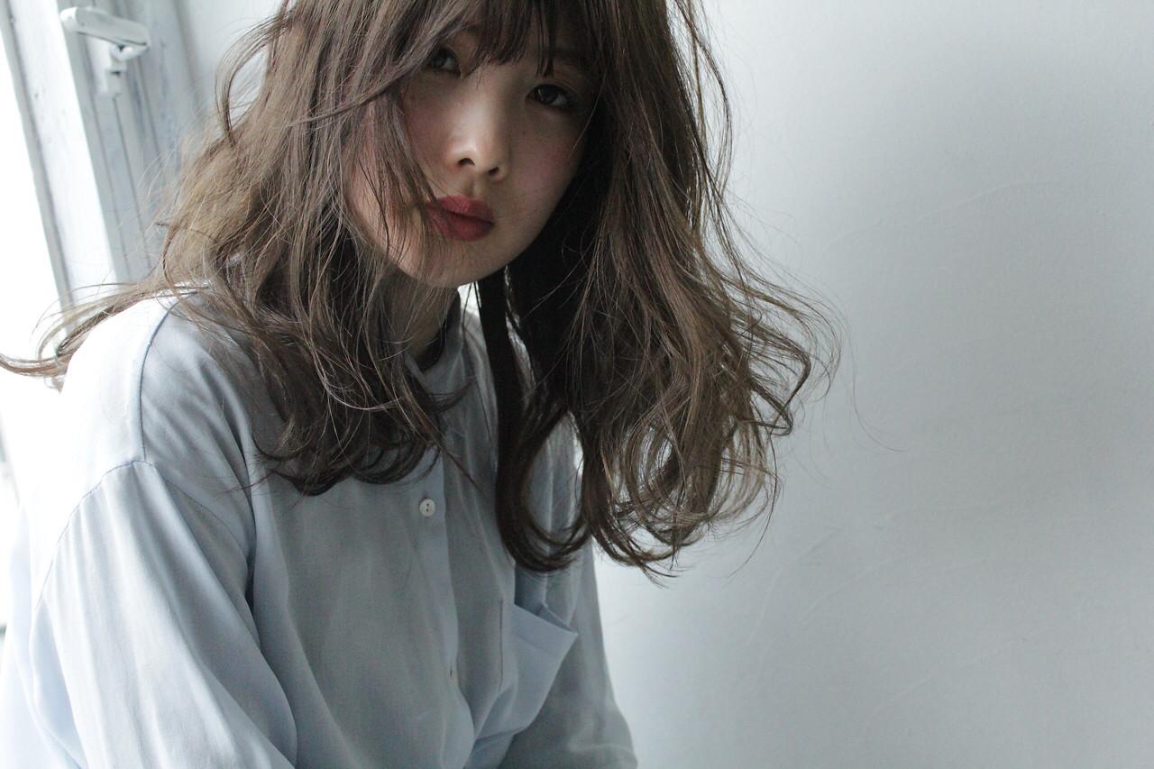 フェミニン デート セミロング パーマ ヘアスタイルや髪型の写真・画像 | 原田 和幸 / TELA