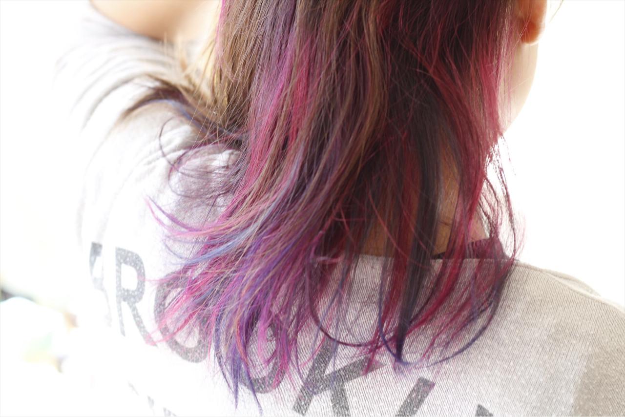 インナーカラー ピンク ハイトーン ナチュラル ヘアスタイルや髪型の写真・画像