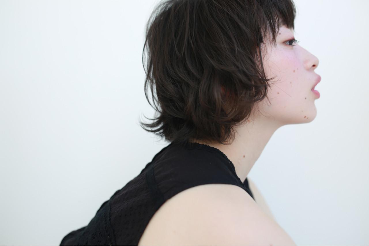 ショートボブ パーマ 外ハネ マッシュ ヘアスタイルや髪型の写真・画像   mao / THOiRY