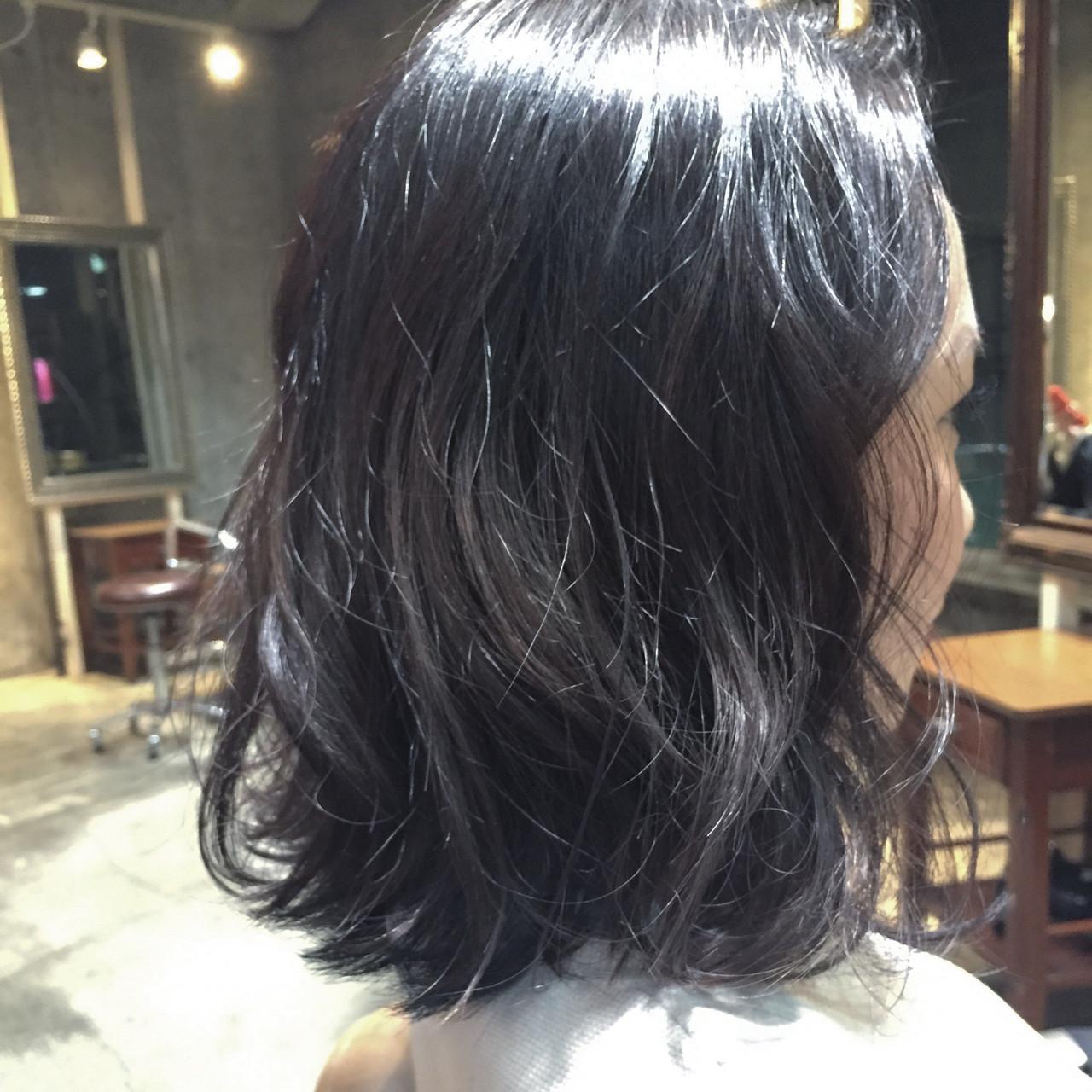 フェミニン 黒髪 アッシュ 大人かわいい ヘアスタイルや髪型の写真・画像 | Go Takahira / salon de Milk原宿