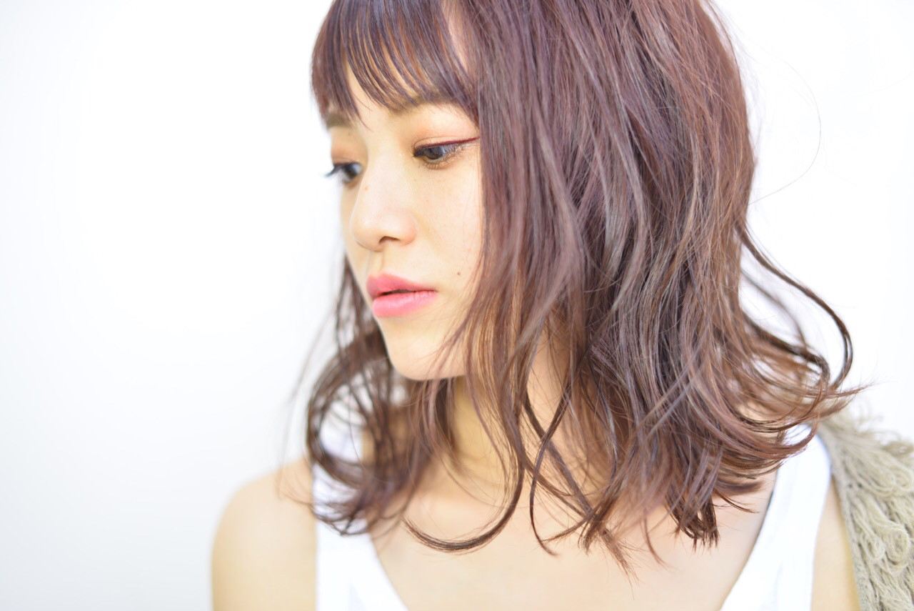 レッド ミディアム ヘアアレンジ ウェットヘア ヘアスタイルや髪型の写真・画像