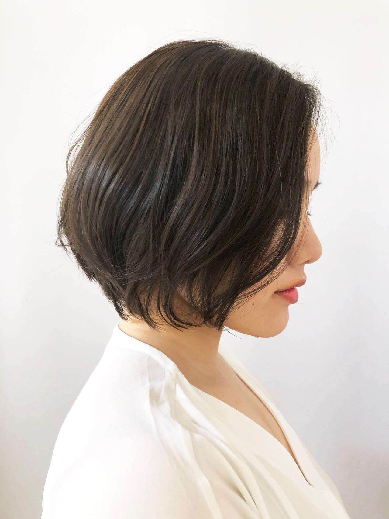 ボブ 黒髪 ナチュラル デート ヘアスタイルや髪型の写真・画像 | Nana / モリオフロムロンドン 成増一号店