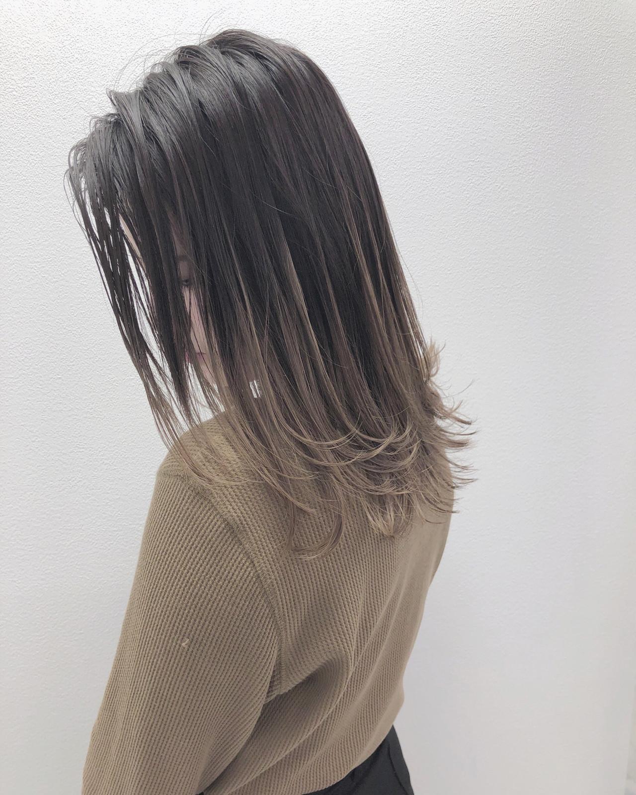 グラデーションカラー グレージュ アッシュグラデーション バレイヤージュ ヘアスタイルや髪型の写真・画像