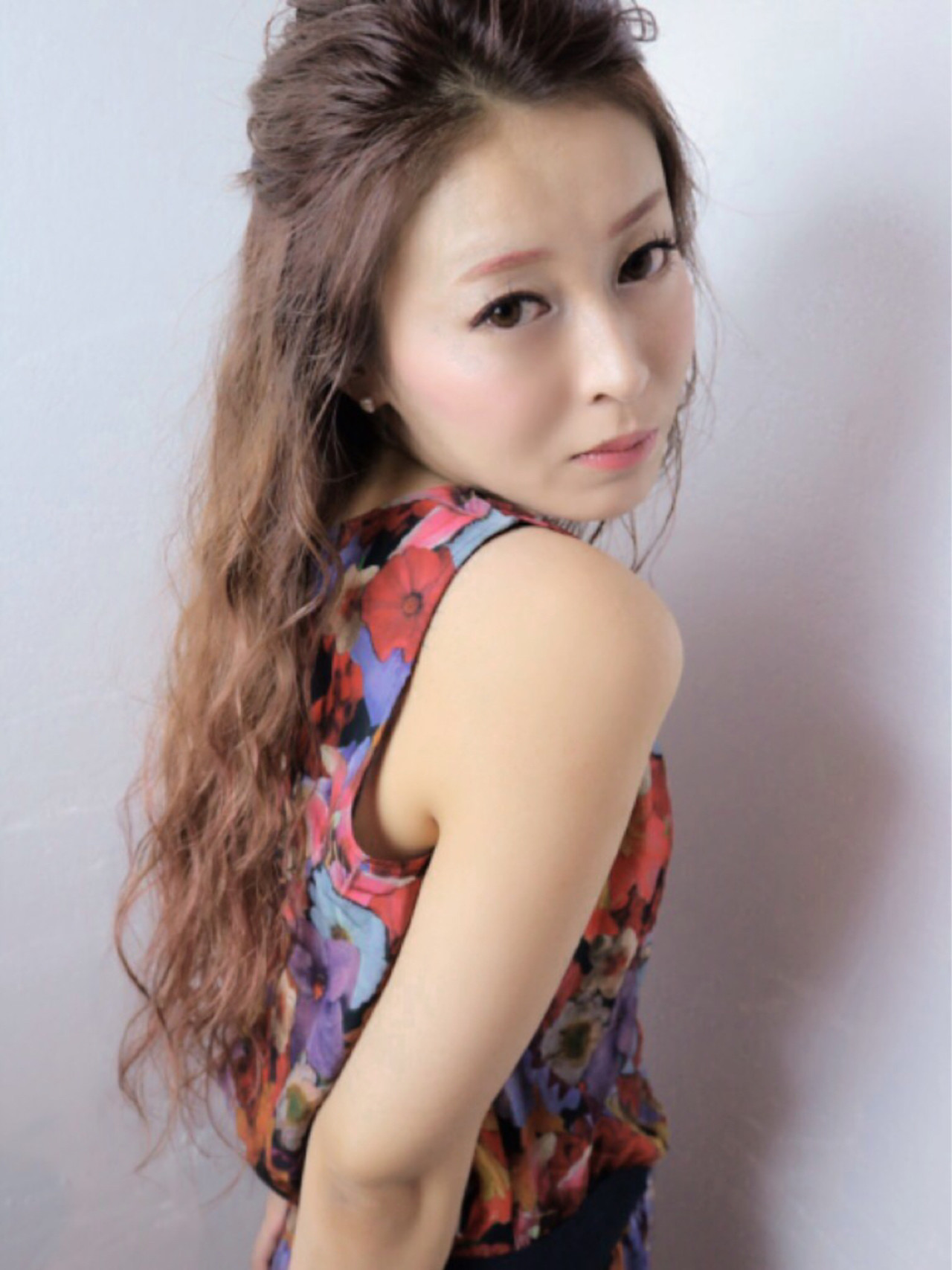 ハイライト 大人女子 ヘアアレンジ 外国人風 ヘアスタイルや髪型の写真・画像 | Takashi Tetone / SHIKIO HAIR DESIGN