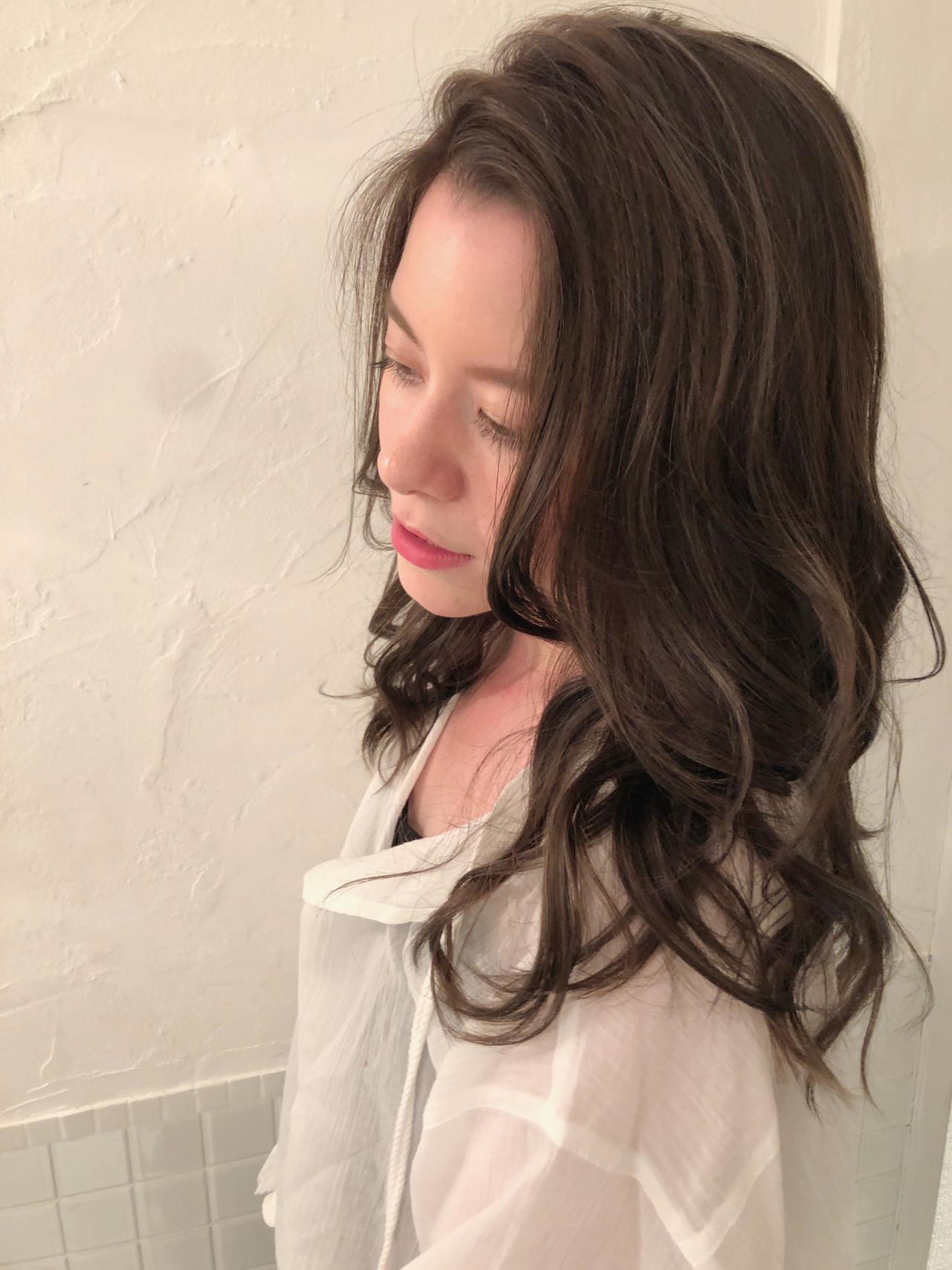 ヘルシースタイル ロング デート 大人ハイライト ヘアスタイルや髪型の写真・画像
