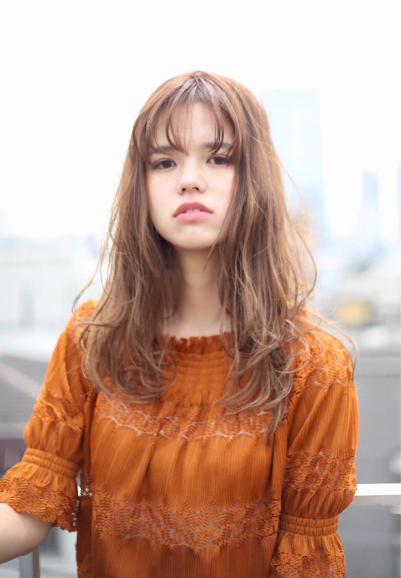 抜け感 センター分け ヘアアレンジ シースルーバング ヘアスタイルや髪型の写真・画像