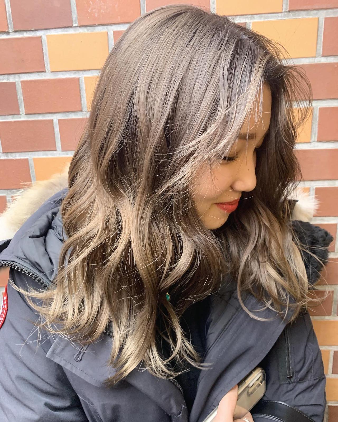 ミルクティーベージュ ダブルカラー ハイトーンカラー ハイトーン ヘアスタイルや髪型の写真・画像   谷島 瑠伊 / ALIVE omotesando