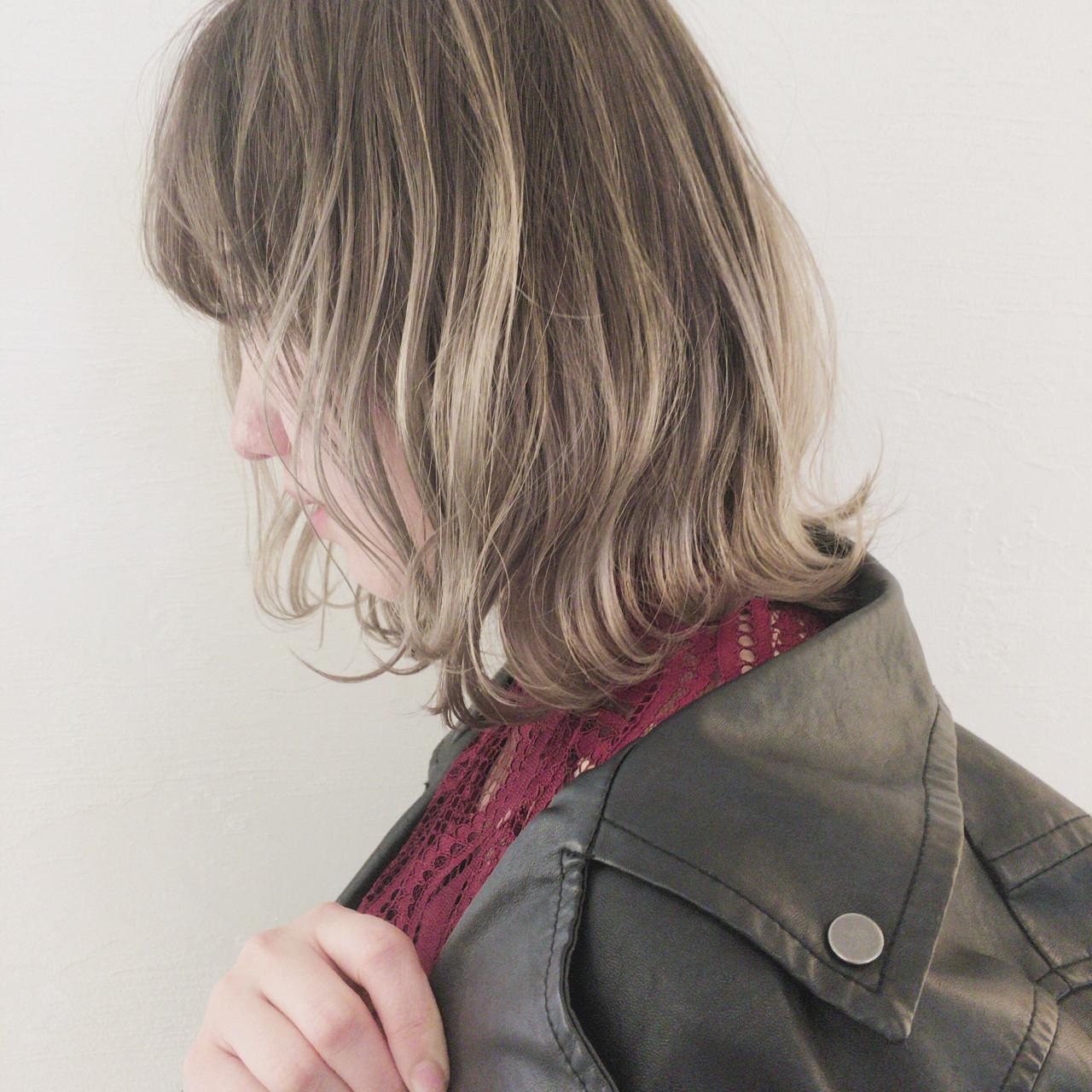 インナーカラー ナチュラル グレージュ ボブ ヘアスタイルや髪型の写真・画像 | 津村正和/大阪心斎橋 / freelance