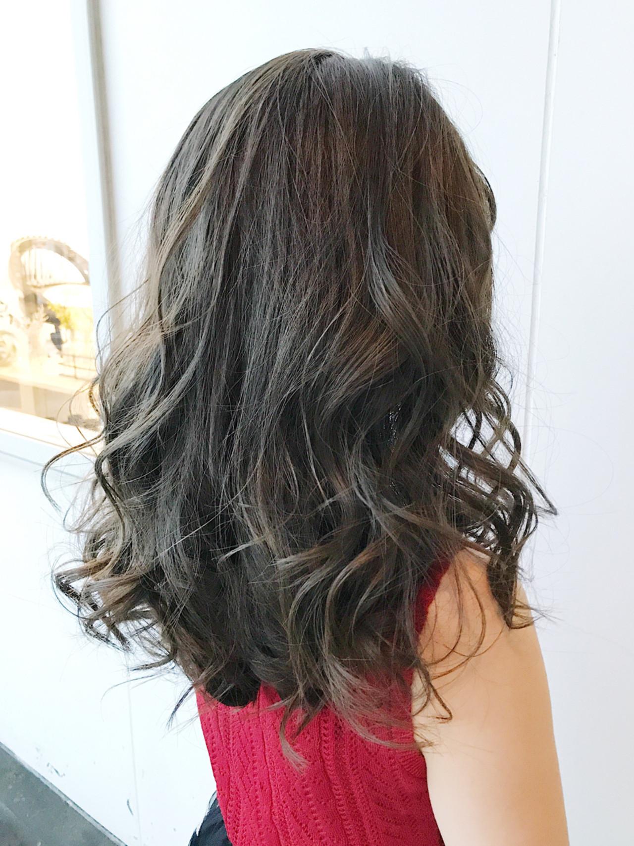 外国人風カラー ハイライト 透明感 ミディアム ヘアスタイルや髪型の写真・画像 | 小野 大輔 / OHIA  for plumeria