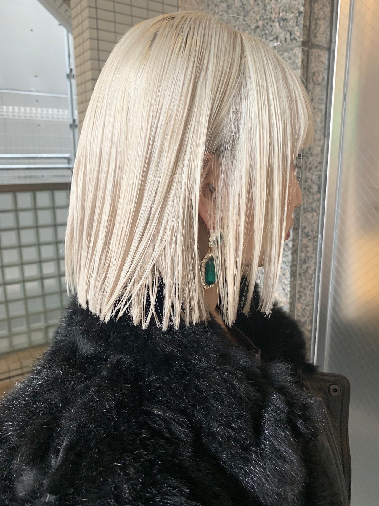 ガーリー ボブ ショートボブ ホワイトブリーチ ヘアスタイルや髪型の写真・画像