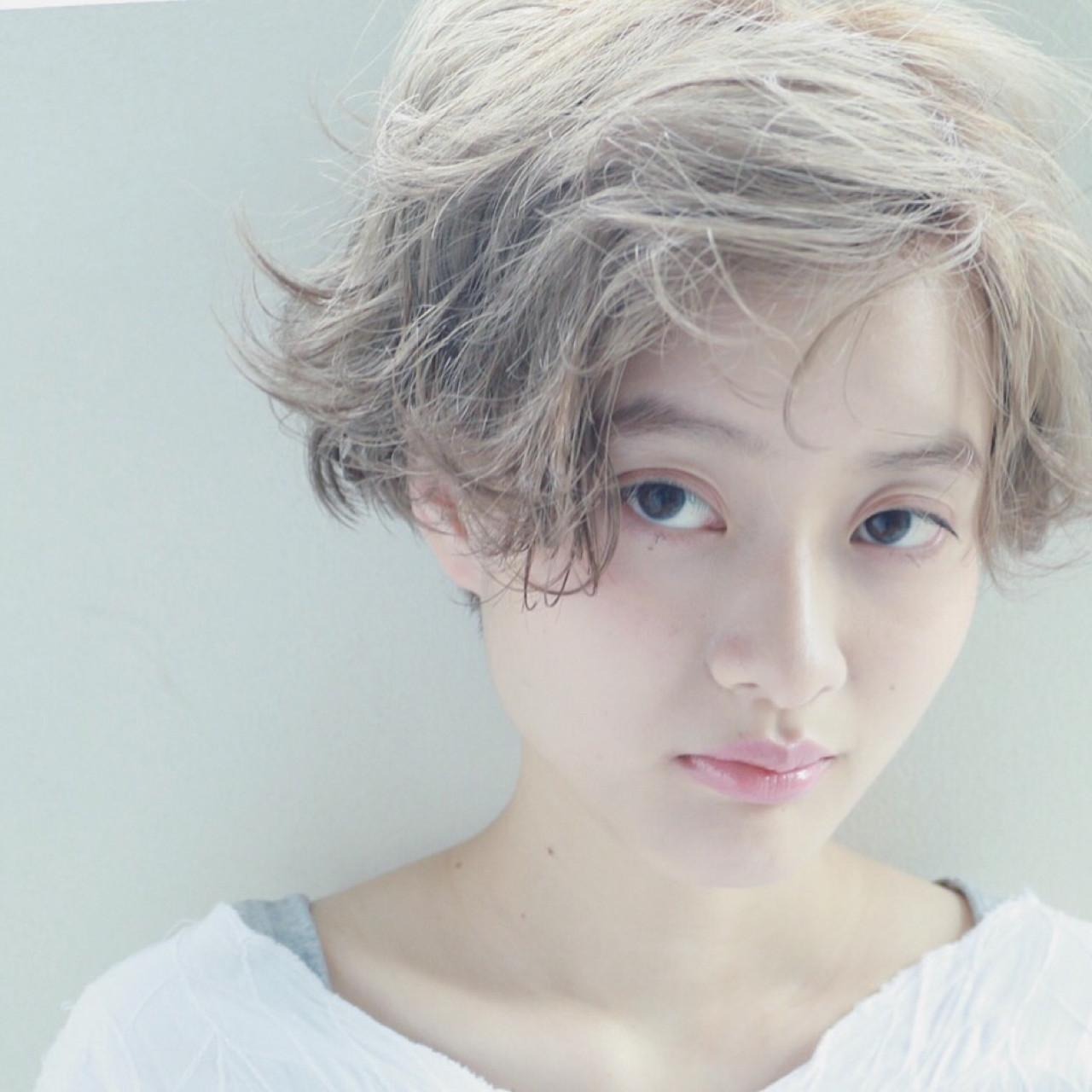 ナチュラル ハイトーン くせ毛風 ブリーチ ヘアスタイルや髪型の写真・画像 | 高橋 忍 / nanuk渋谷店(ナヌーク)