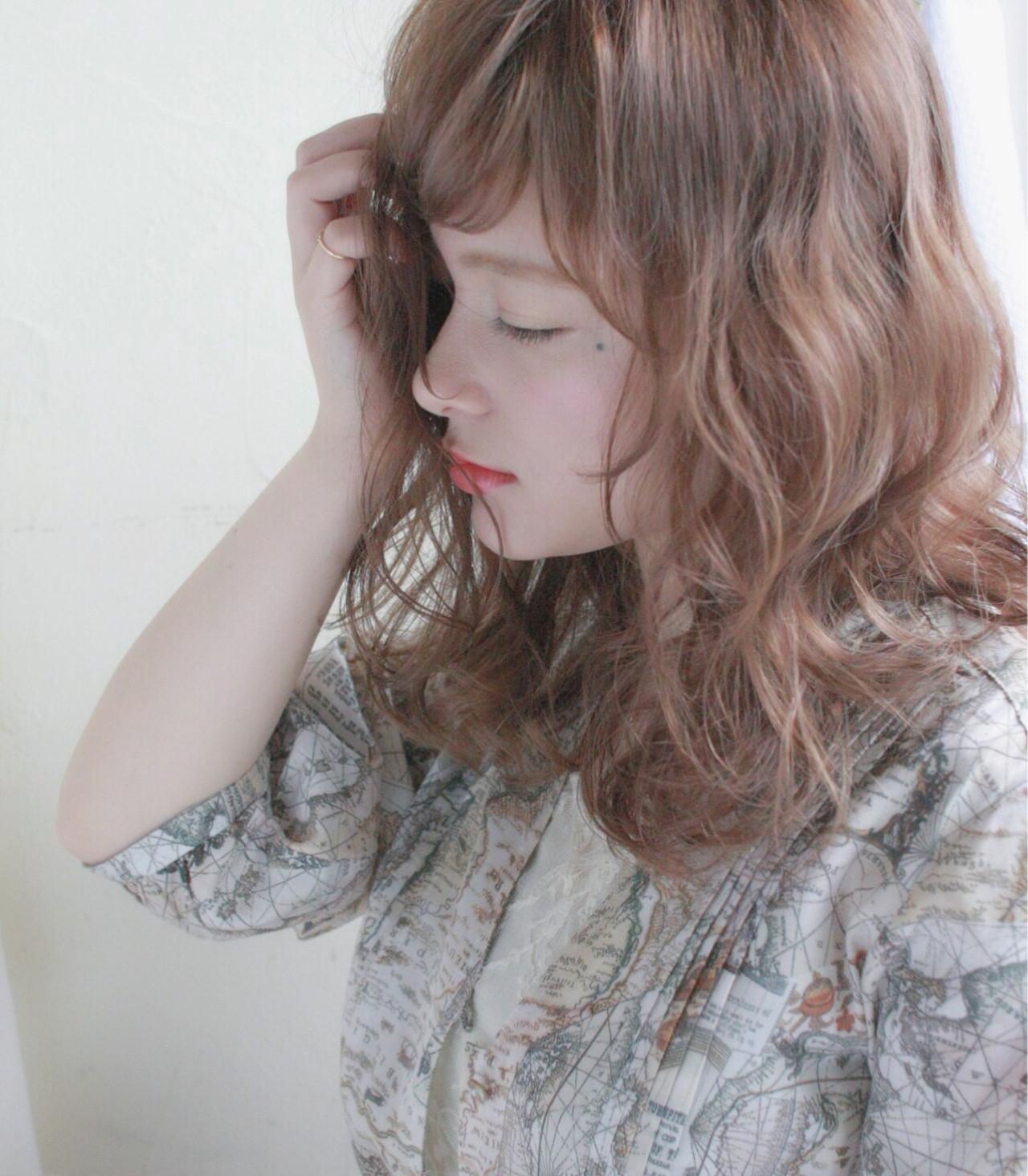 デート ミディアム ナチュラル ゆるふわ ヘアスタイルや髪型の写真・画像