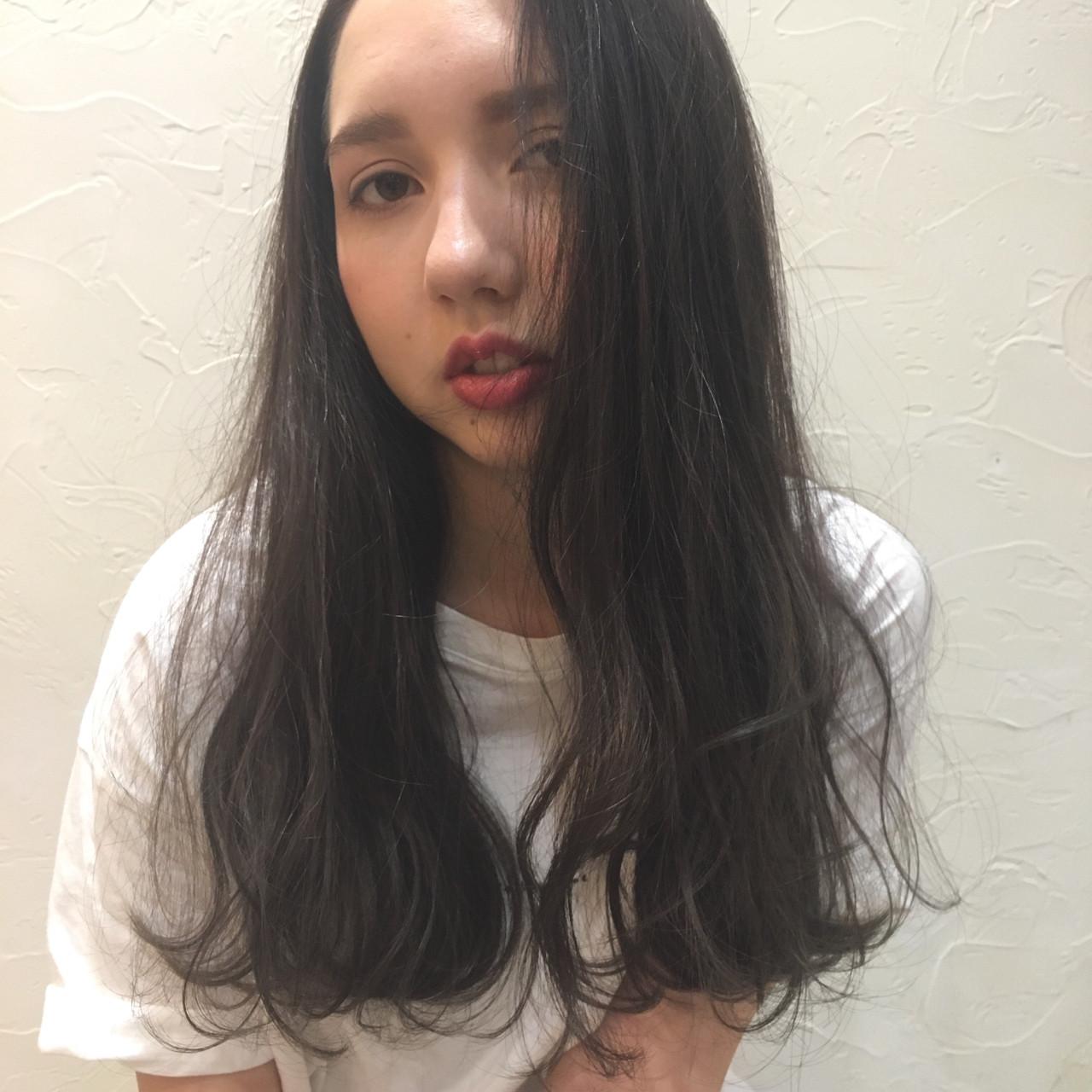 ブルージュ ロング 外国人風 ウェーブ ヘアスタイルや髪型の写真・画像