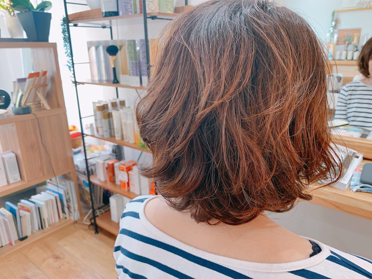 ゆるふわパーマ エアウェーブ ナチュラル ミディアム ヘアスタイルや髪型の写真・画像 | 岩見 さやか / hairsalon   mino