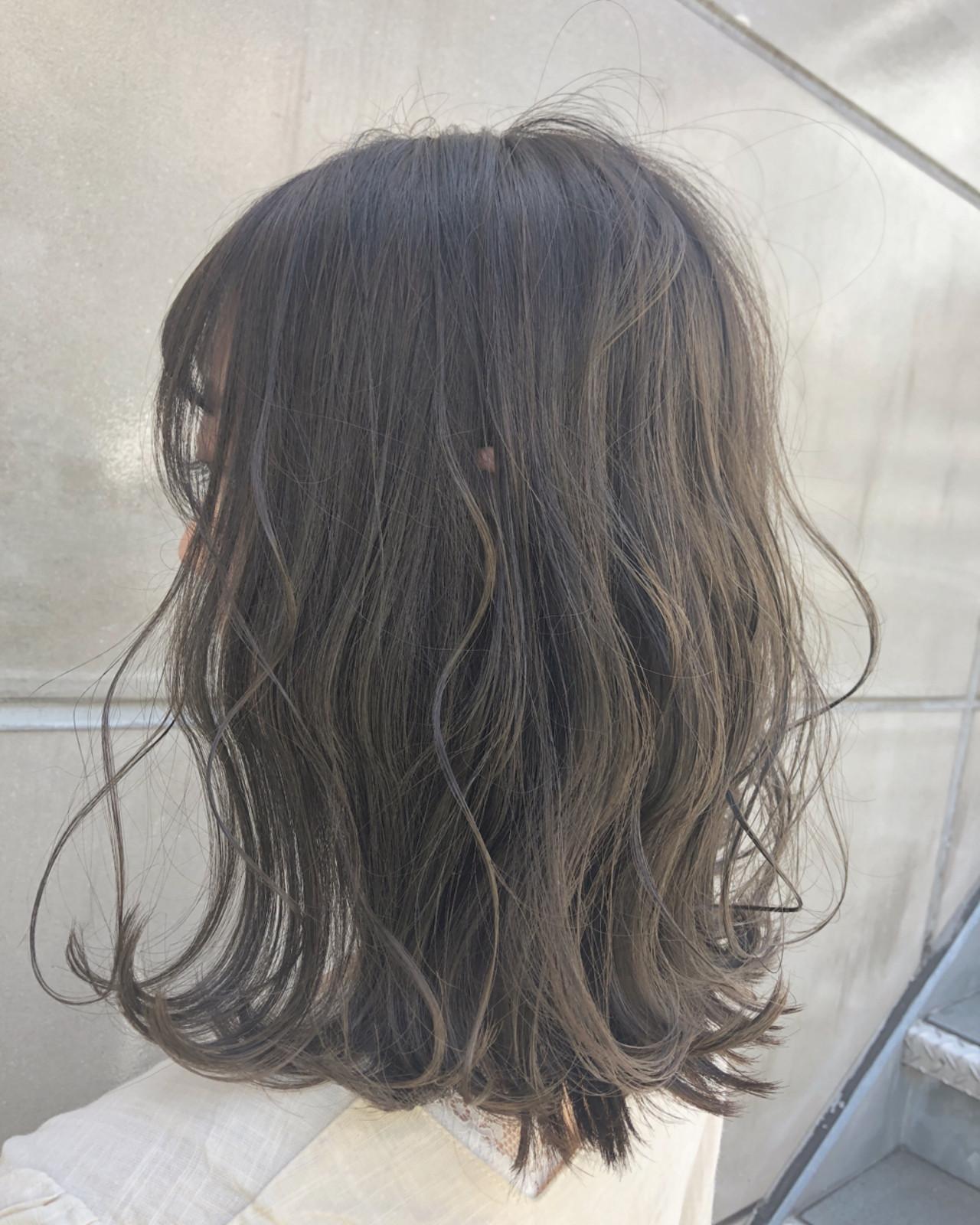 グレージュ エフォートレス 簡単ヘアアレンジ ボブ ヘアスタイルや髪型の写真・画像 | 北間 寛哉/ KILLA / KILLA 原宿 表参道