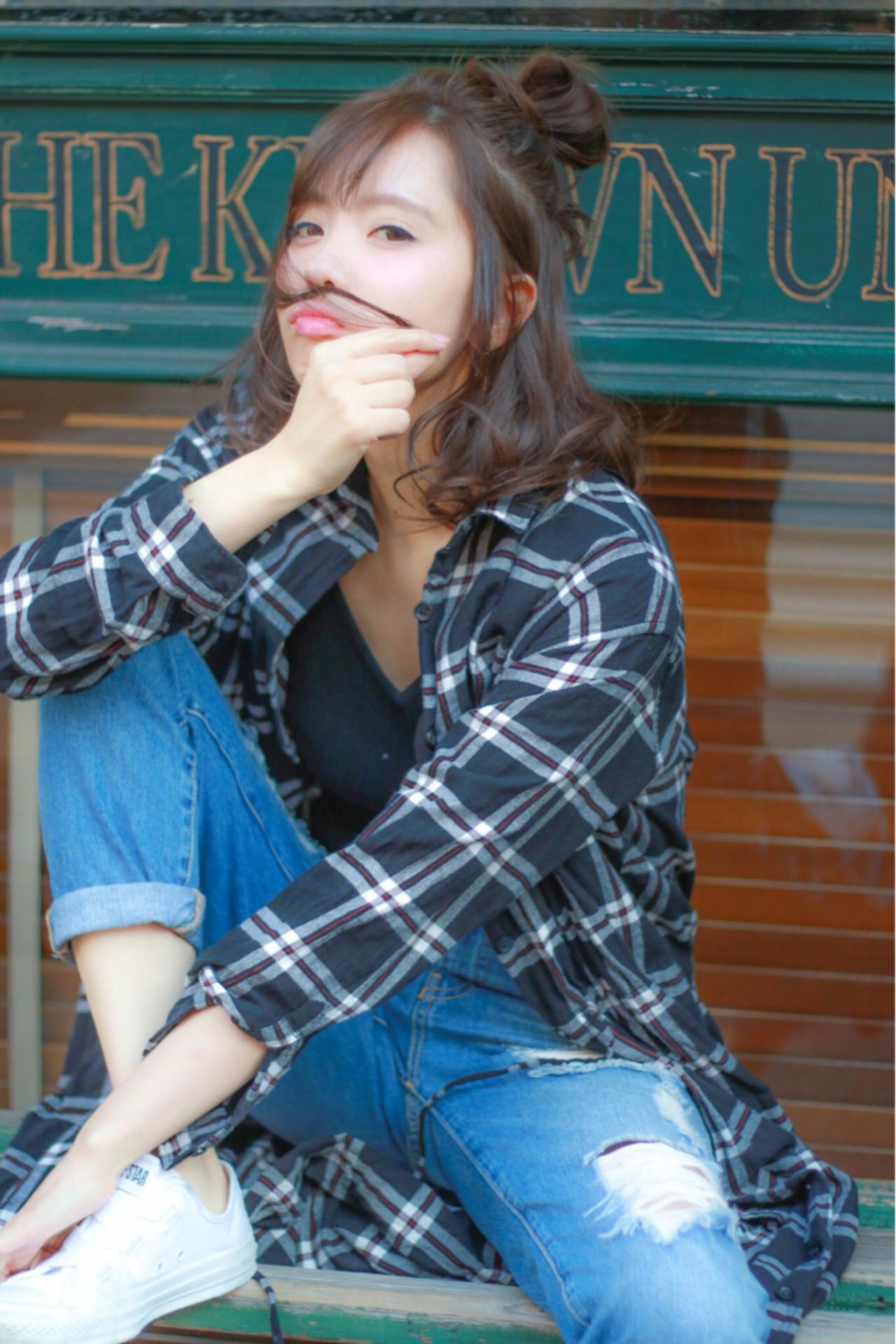 暗髪 アッシュ ミディアム 簡単ヘアアレンジ ヘアスタイルや髪型の写真・画像