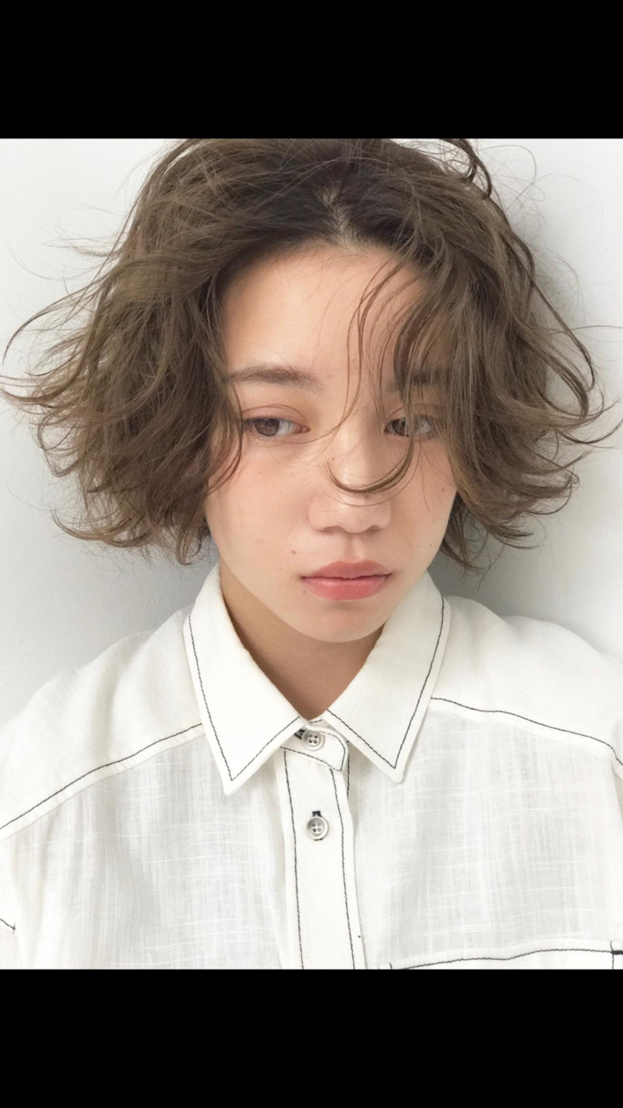 くせ毛風 ショート ナチュラル リラックス ヘアスタイルや髪型の写真・画像