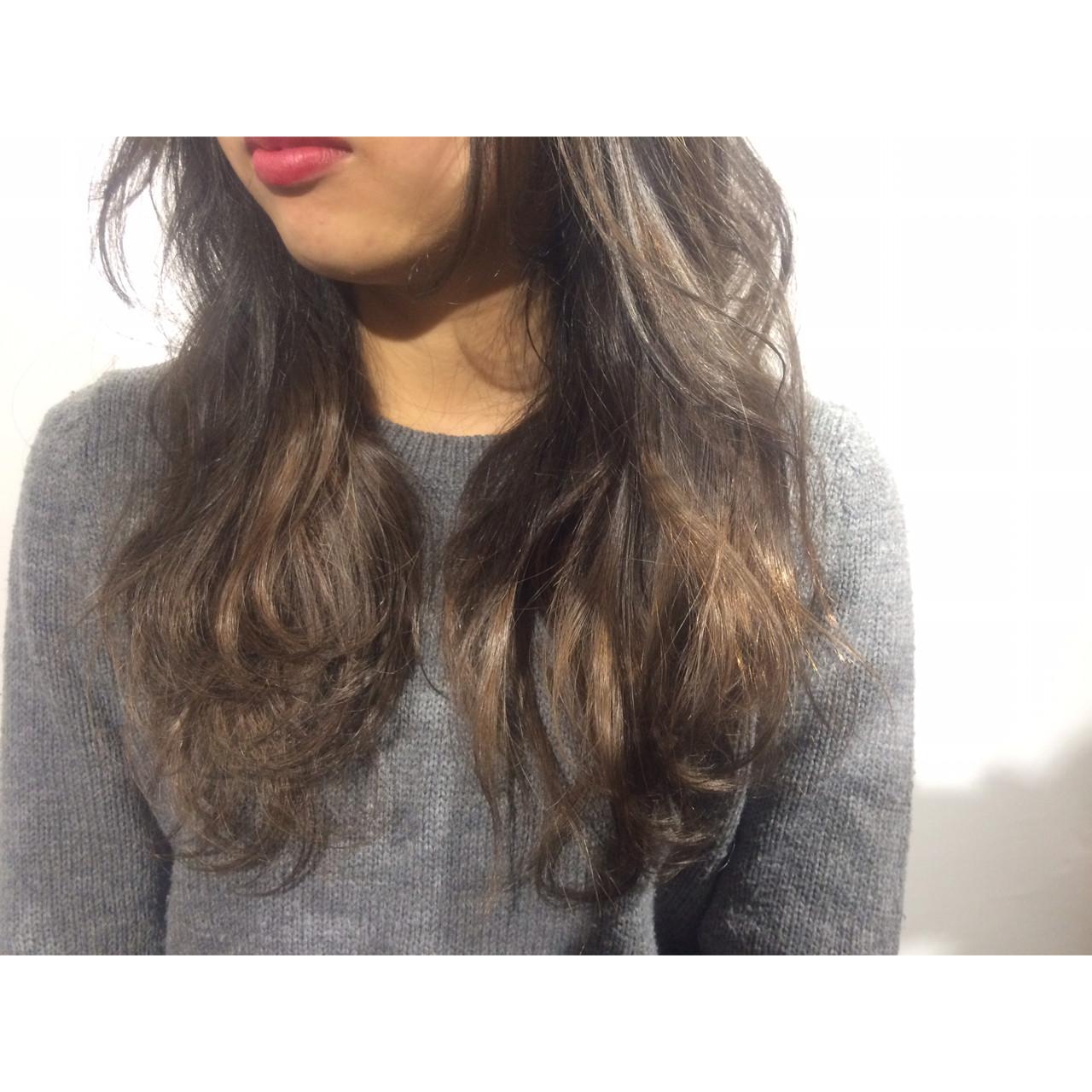 ロング 外国人風 ゆるふわ 暗髪 ヘアスタイルや髪型の写真・画像 | KE-TO / TLONY