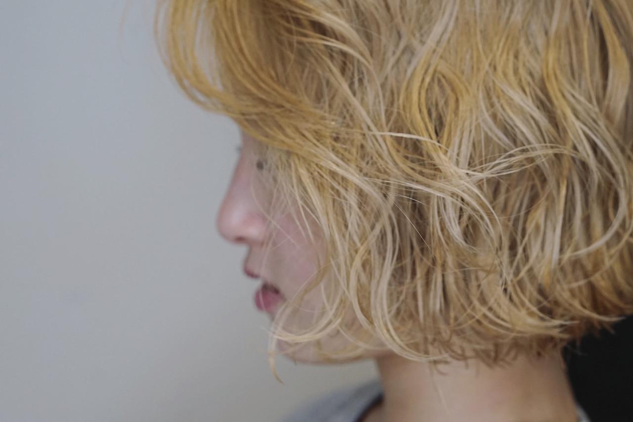 ショートヘア ブリーチ必須 ボブ ミルクティーベージュ ヘアスタイルや髪型の写真・画像