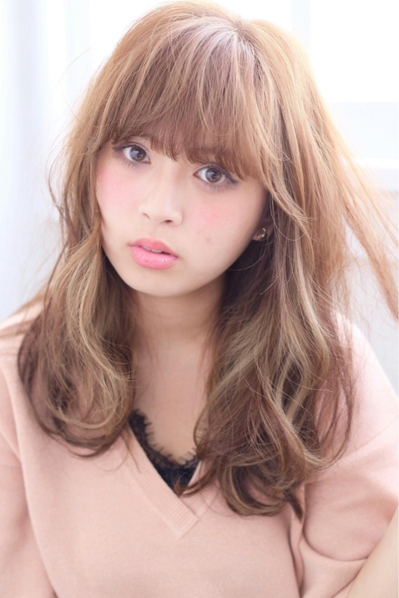 外国人風 ロング ガーリー ハイライト ヘアスタイルや髪型の写真・画像 | maisa /