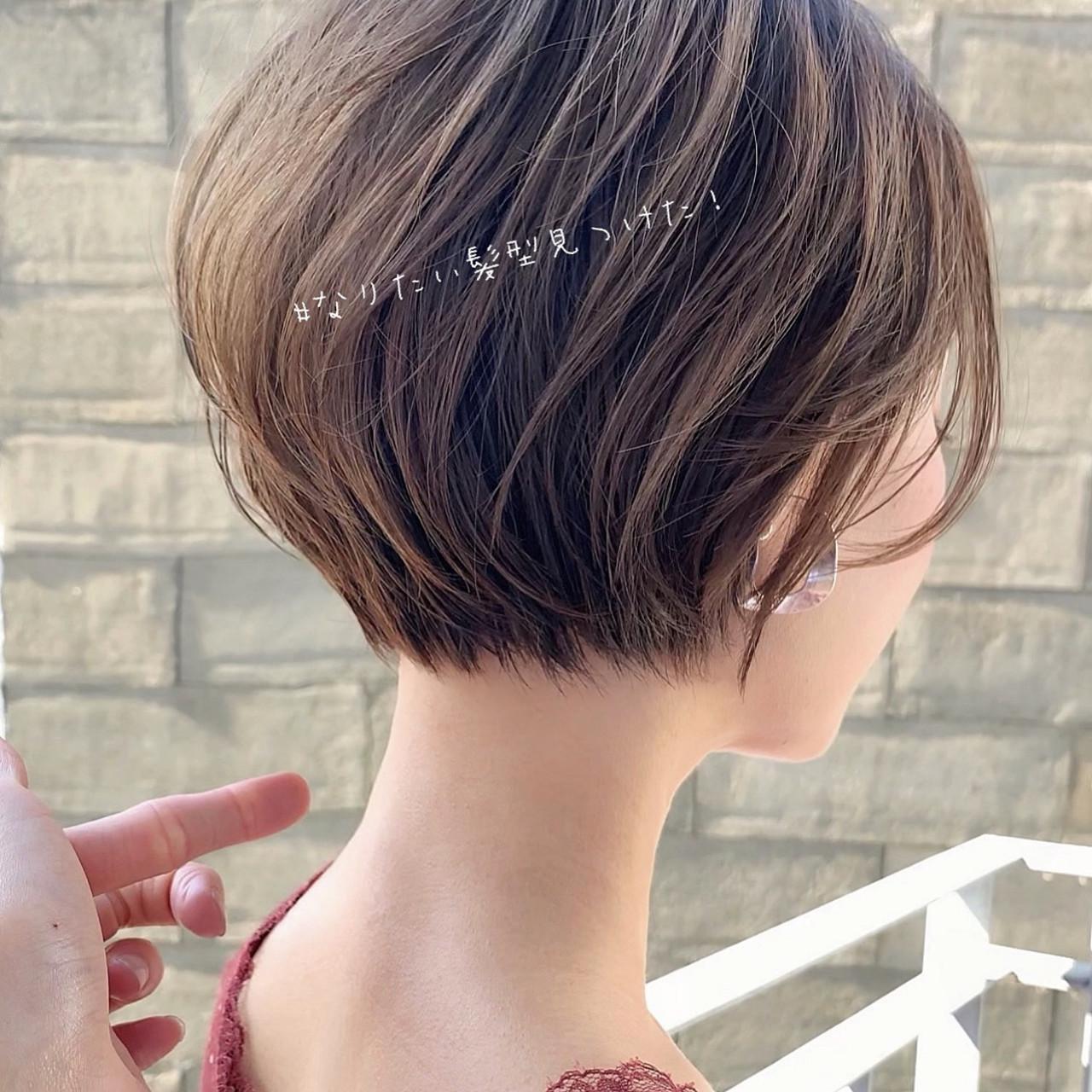 ミニボブ ナチュラル ショートボブ デート ヘアスタイルや髪型の写真・画像