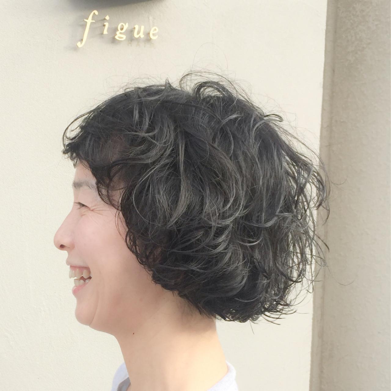 小顔 ショート レイヤーカット 外国人風 ヘアスタイルや髪型の写真・画像 | 岩城 浩子 / figue hair